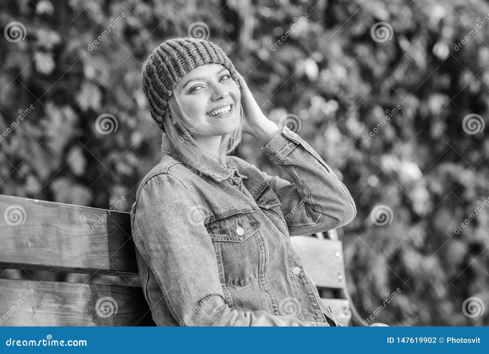 Gebreide toebehoren voor dalingsseizoen De toebehoren van de de herfstmanier Voel comfortabel deze daling met zachte en warme mod