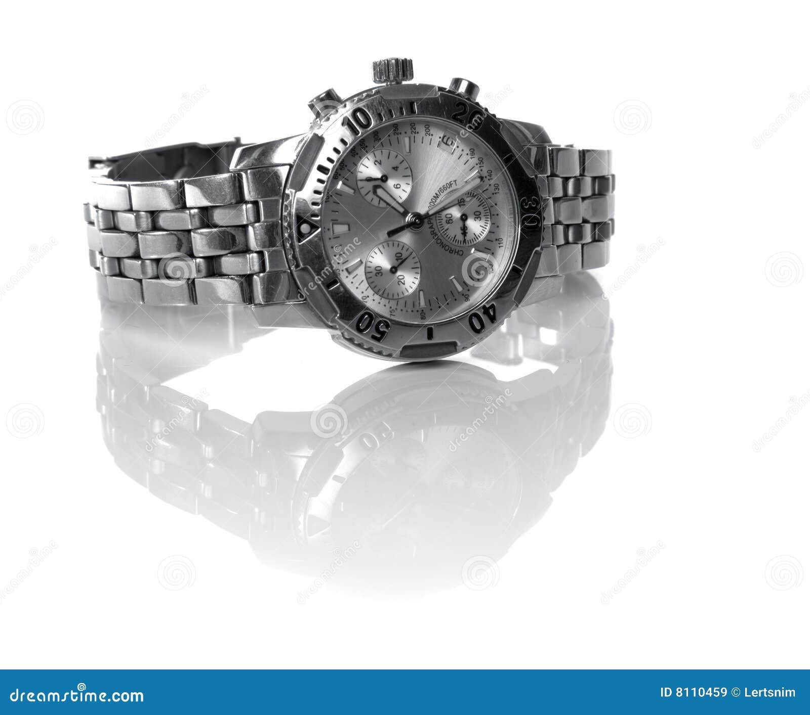 Gebruikt zilveren horloge dat over een witte backgtound wordt ...: nl.dreamstime.com/royalty-vrije-stock-afbeeldingen-gebruikt...