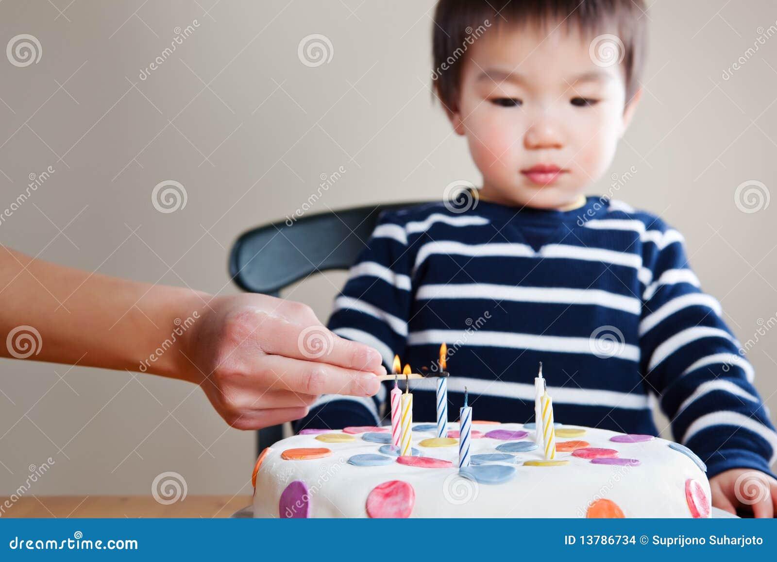 Geburtstagjunge