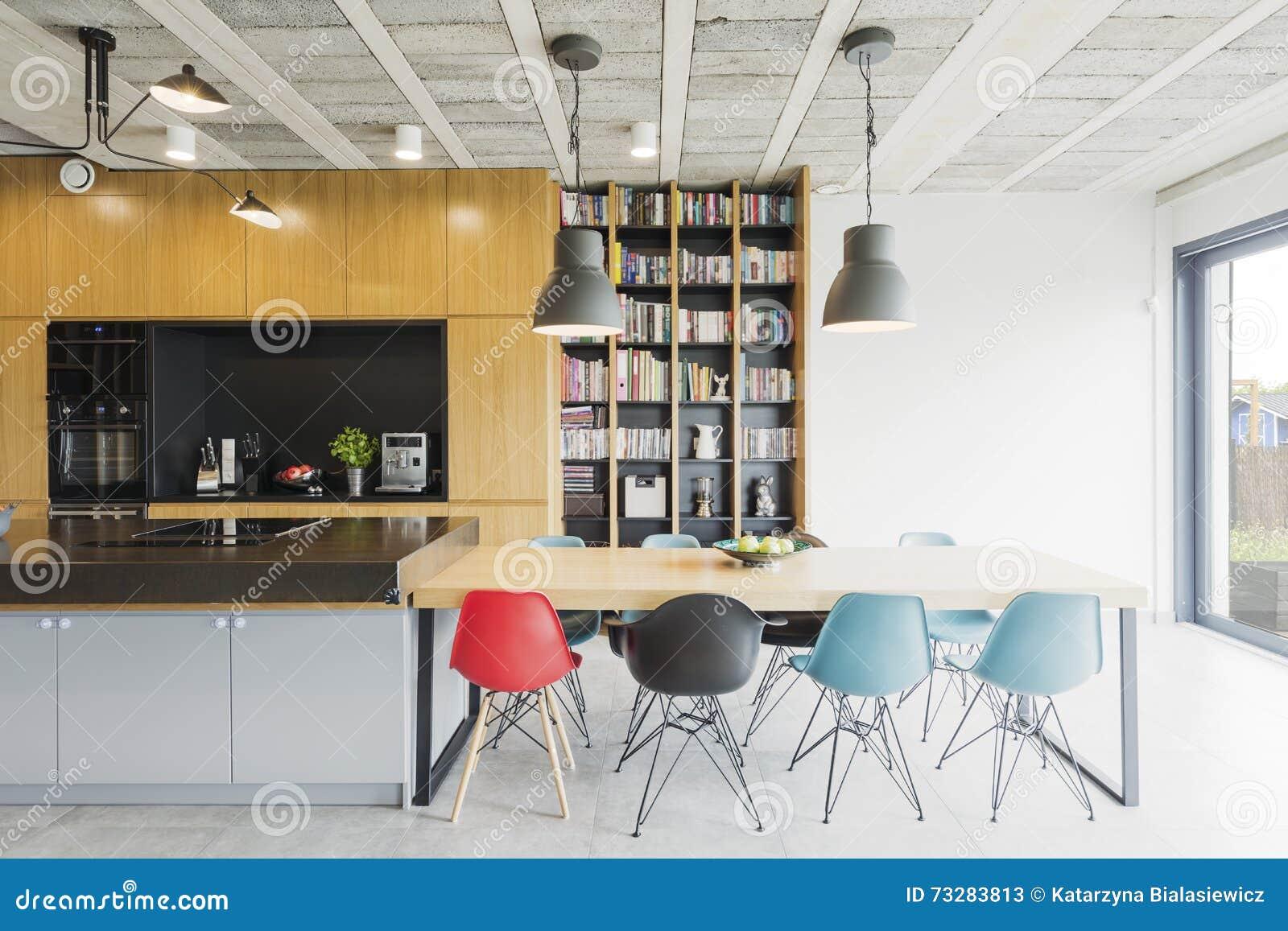 Eetkamer Keuken Open : Gecombineerde eetkamer en keuken stock afbeelding afbeelding