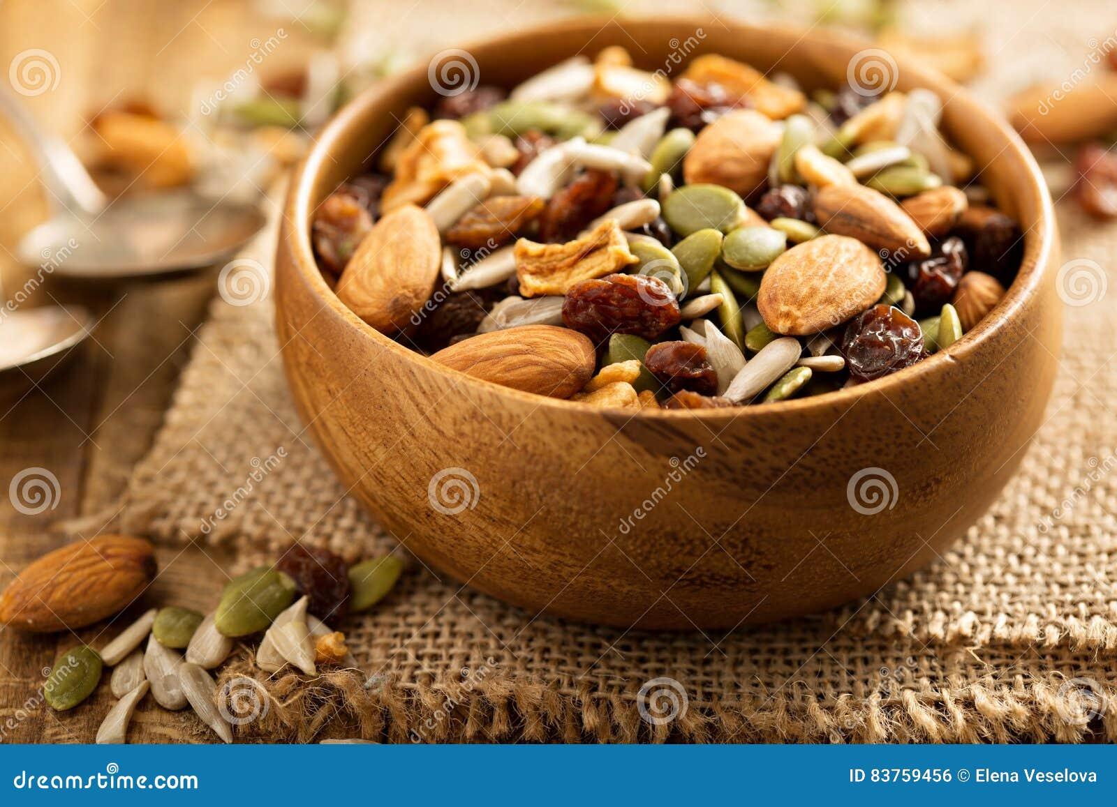 Gedroogd fruit en van de notensleep mengeling