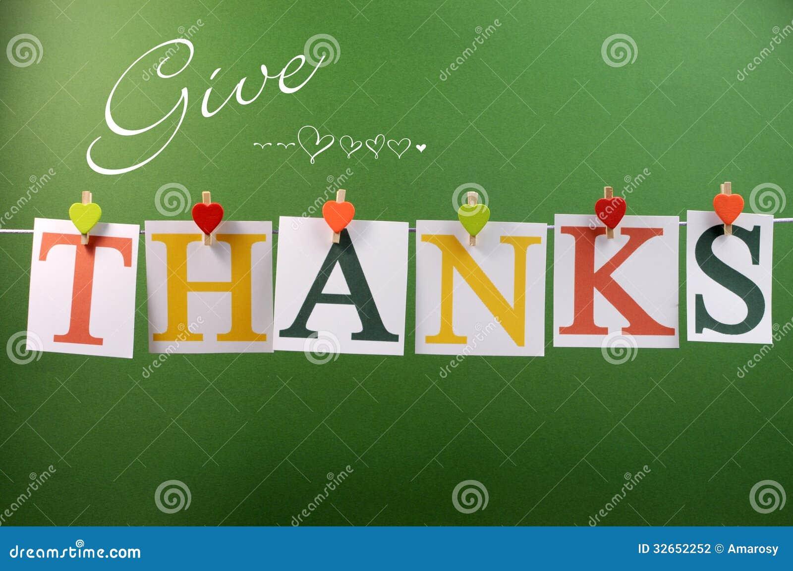 Geef Dankbericht het hangen van pinnen op een lijn voor Dankzeggingsgroet