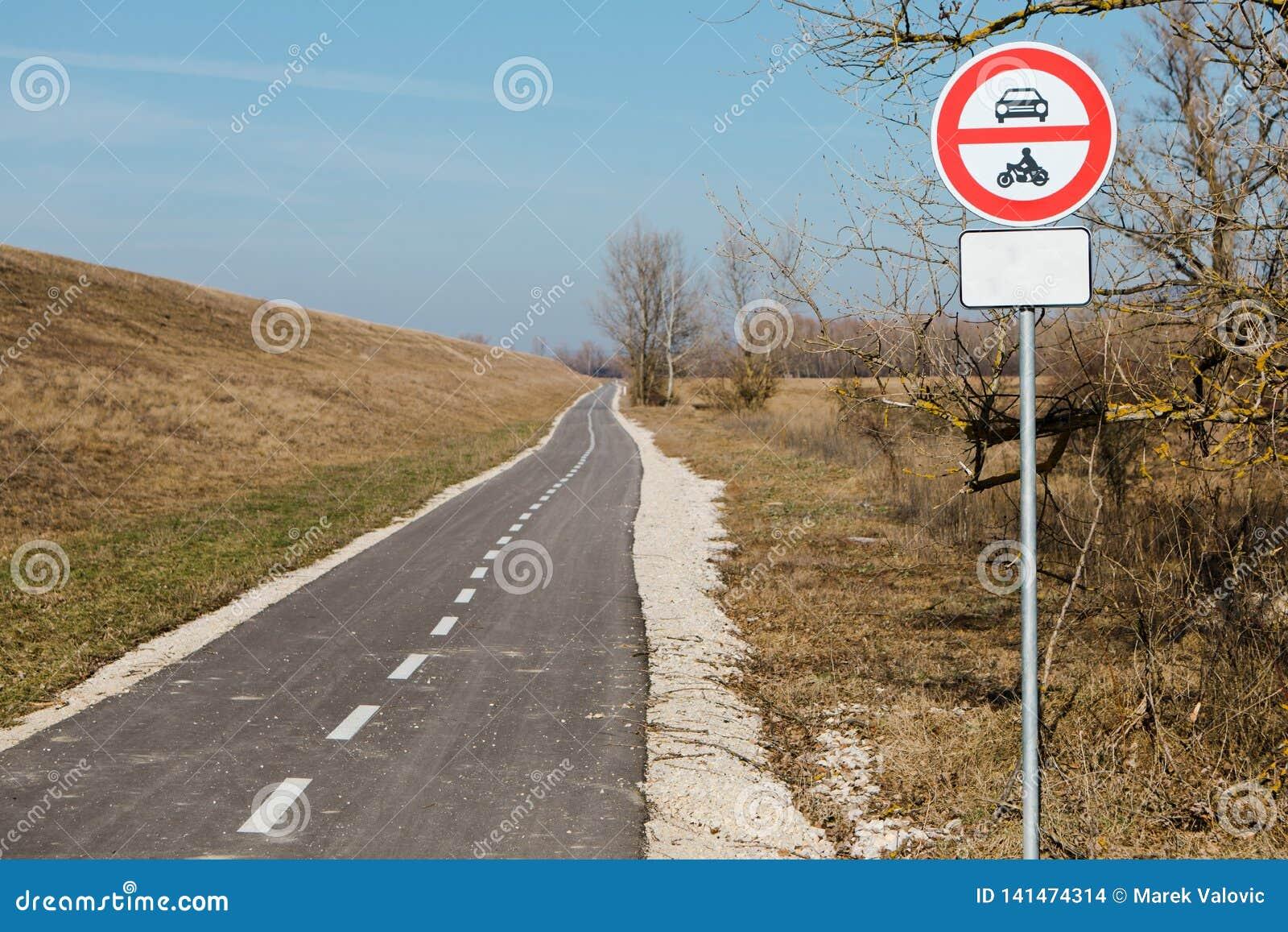 Geen ingang voor gemotoriseerde voertuigen - vermijd verontreiniging