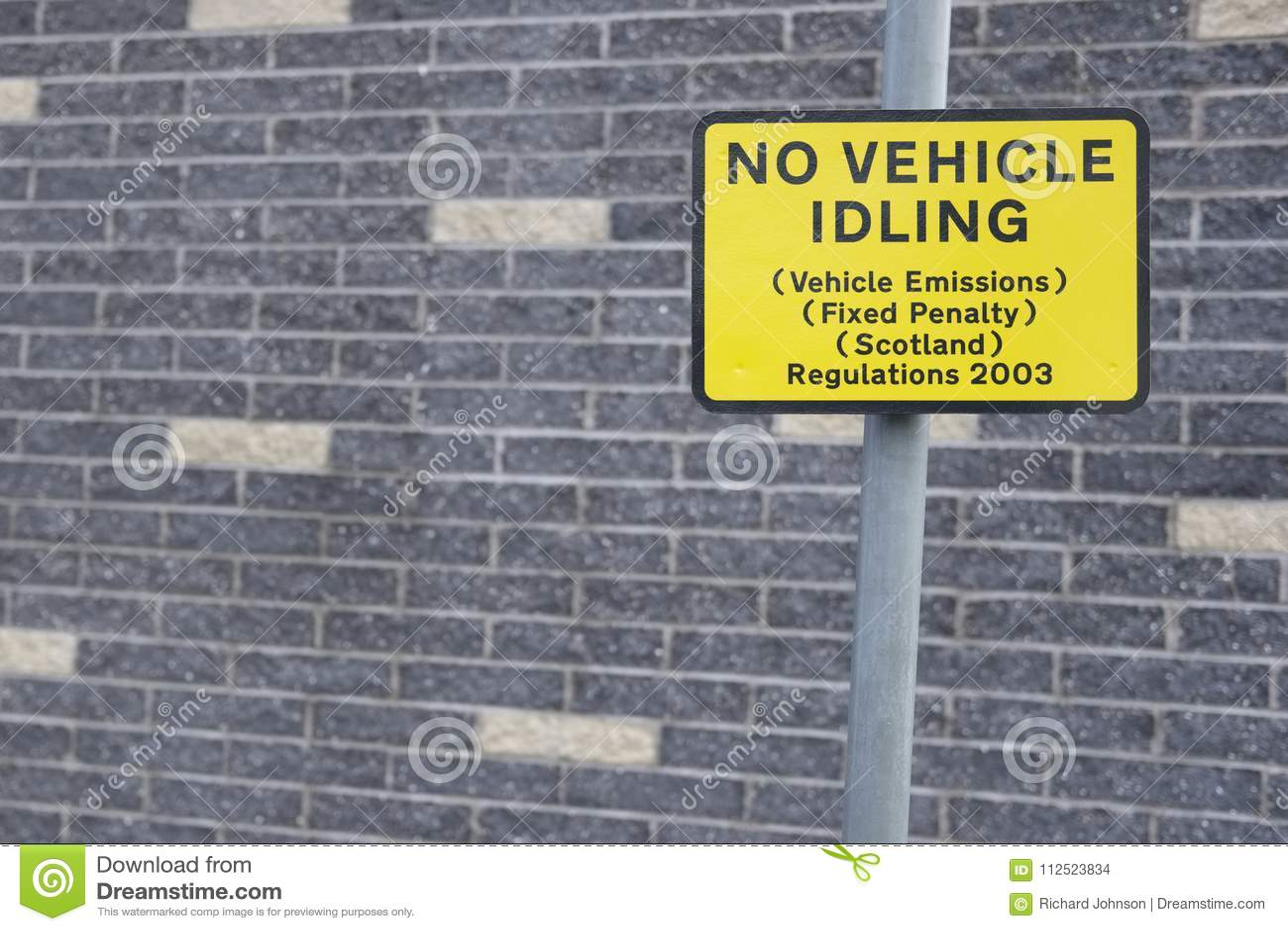 Geen voertuig die teken op wegstraat niets uitvoeren om voertuigemissies te verminderen bevestigde sanctieverordeningen Schotland