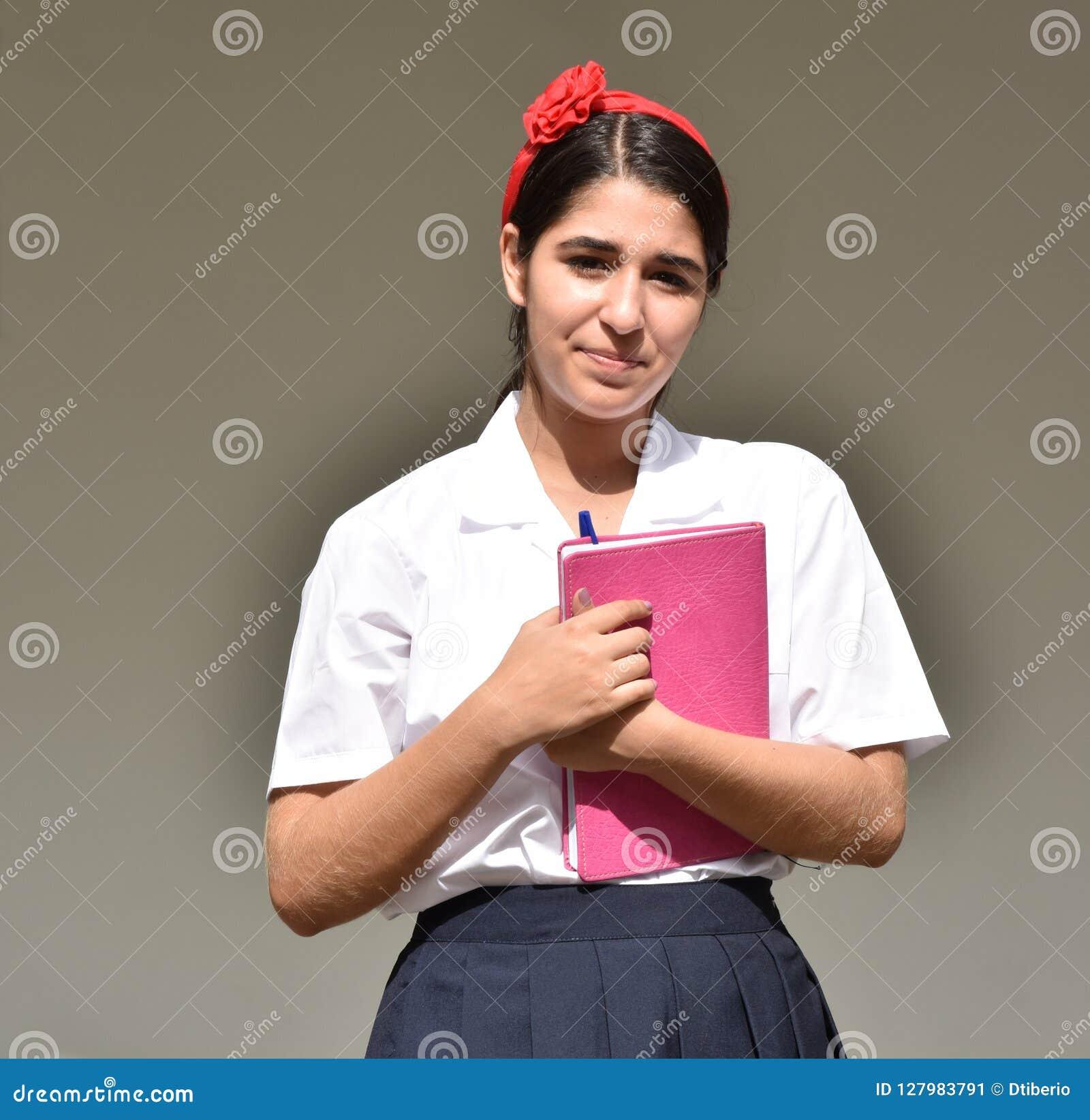 Gefühllose katholische kolumbianische Studentin