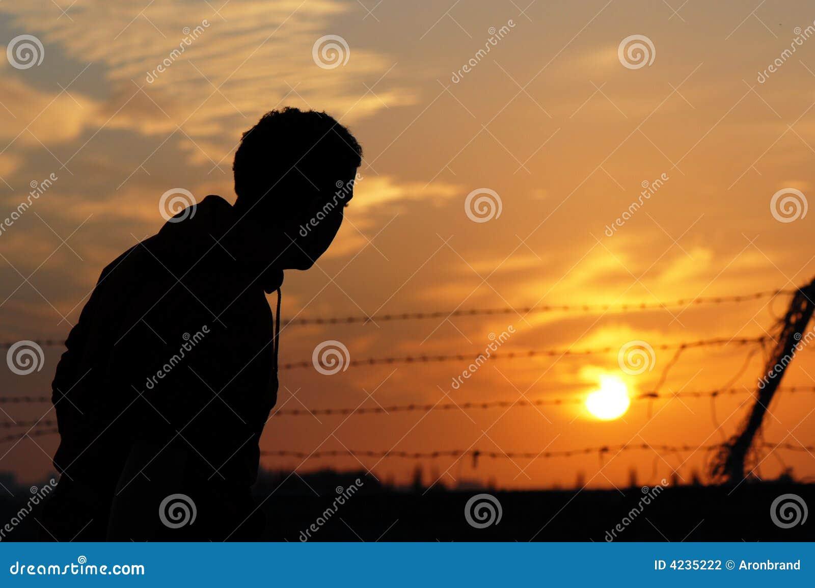 Gefangener am Sonnenuntergang