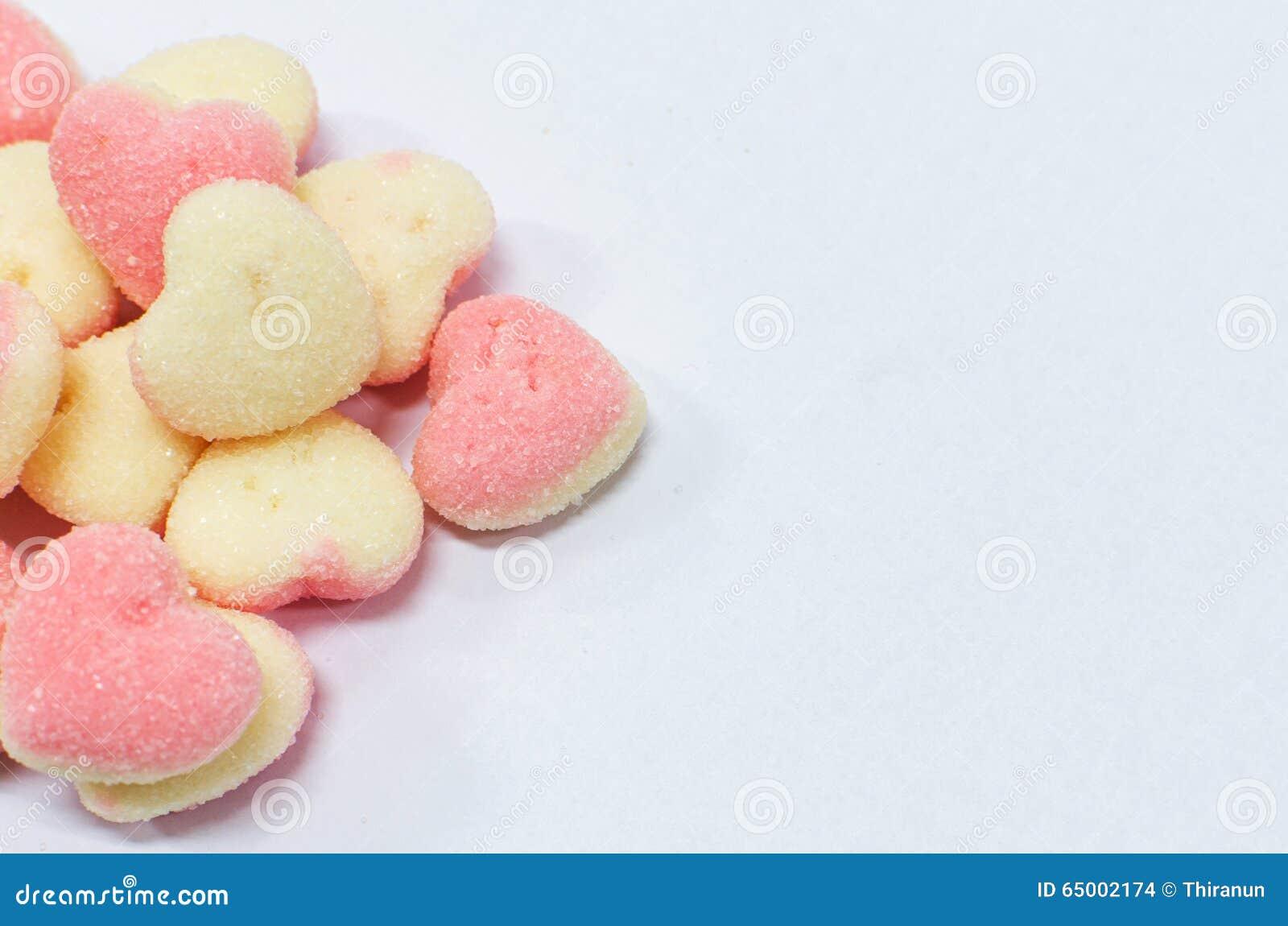Mini Pancake Tortchen mit Beeren, Zucker-Mandelblattchen und ...