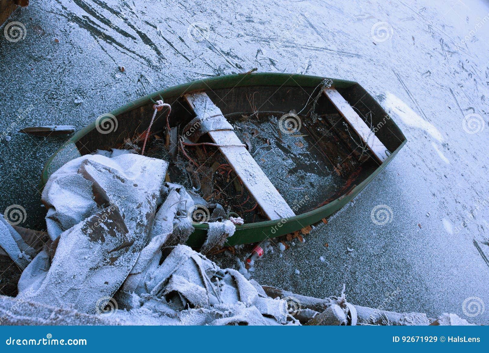 Gefrorenes Boot