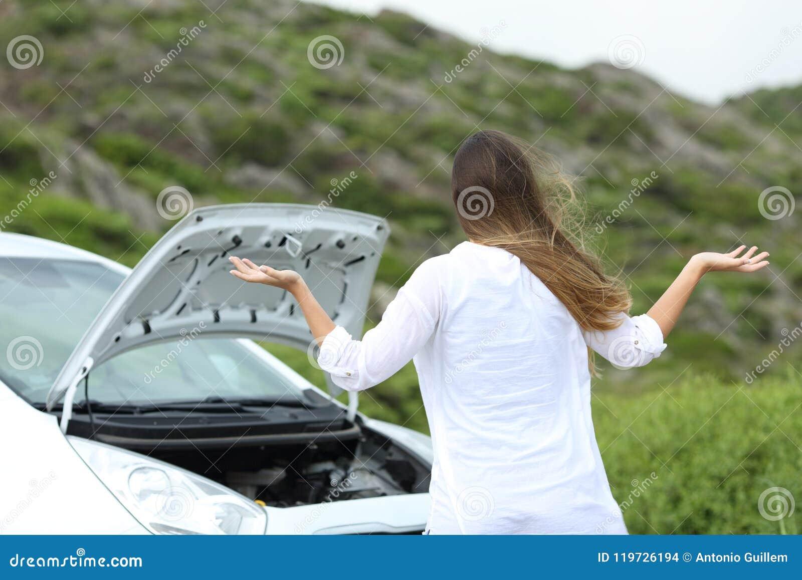 Gefrustreerde bestuurder met een autoopsplitsing