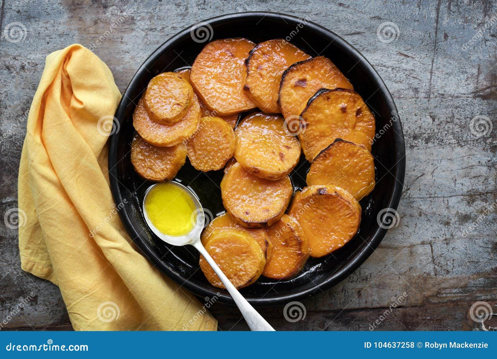 Download Geglaceerde Yams Of Bataten Hoogste Mening Stock Foto - Afbeelding bestaande uit dankzegging, voedsel: 104637258