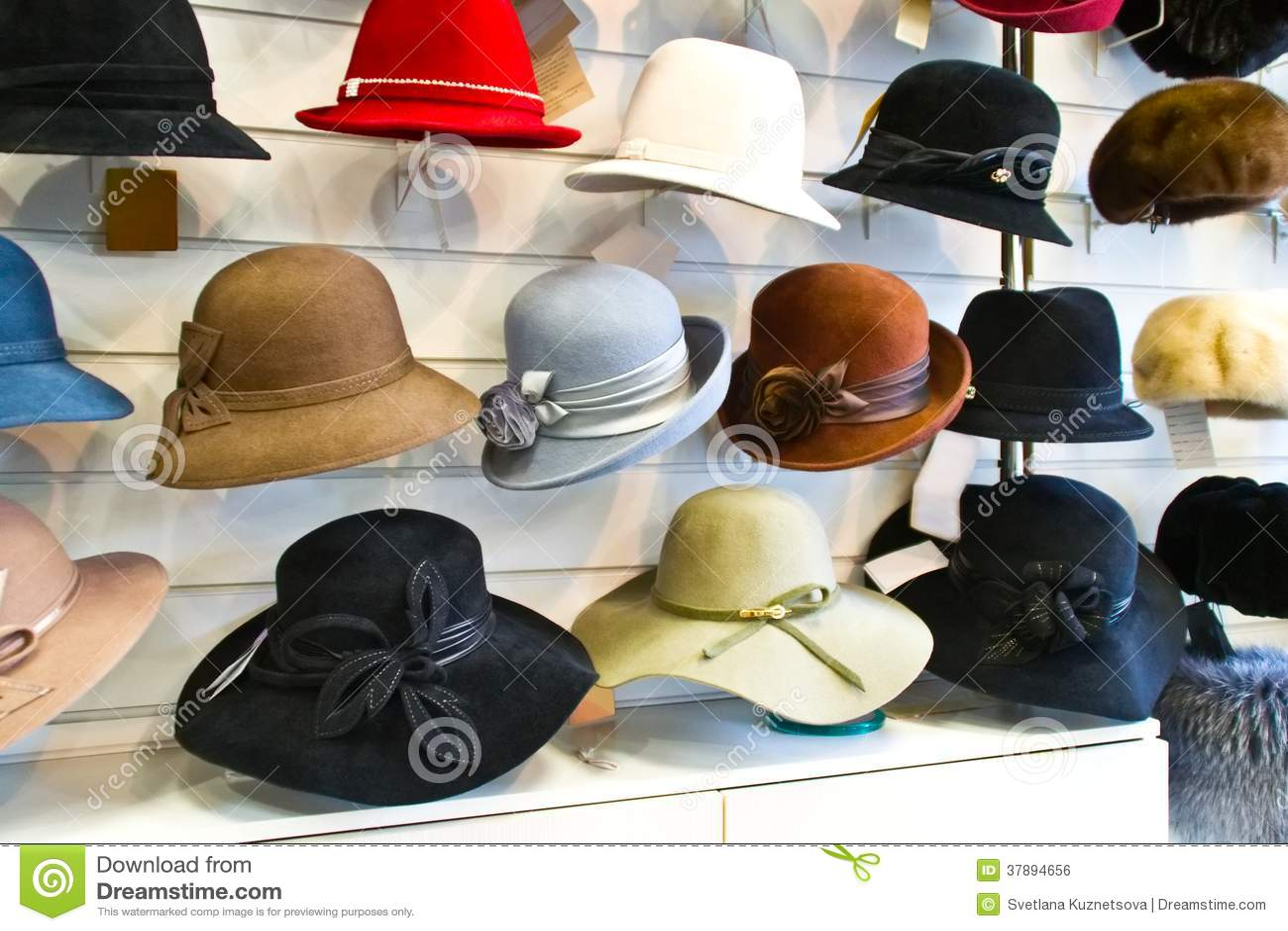 Geglaubte Hüte der Frauen