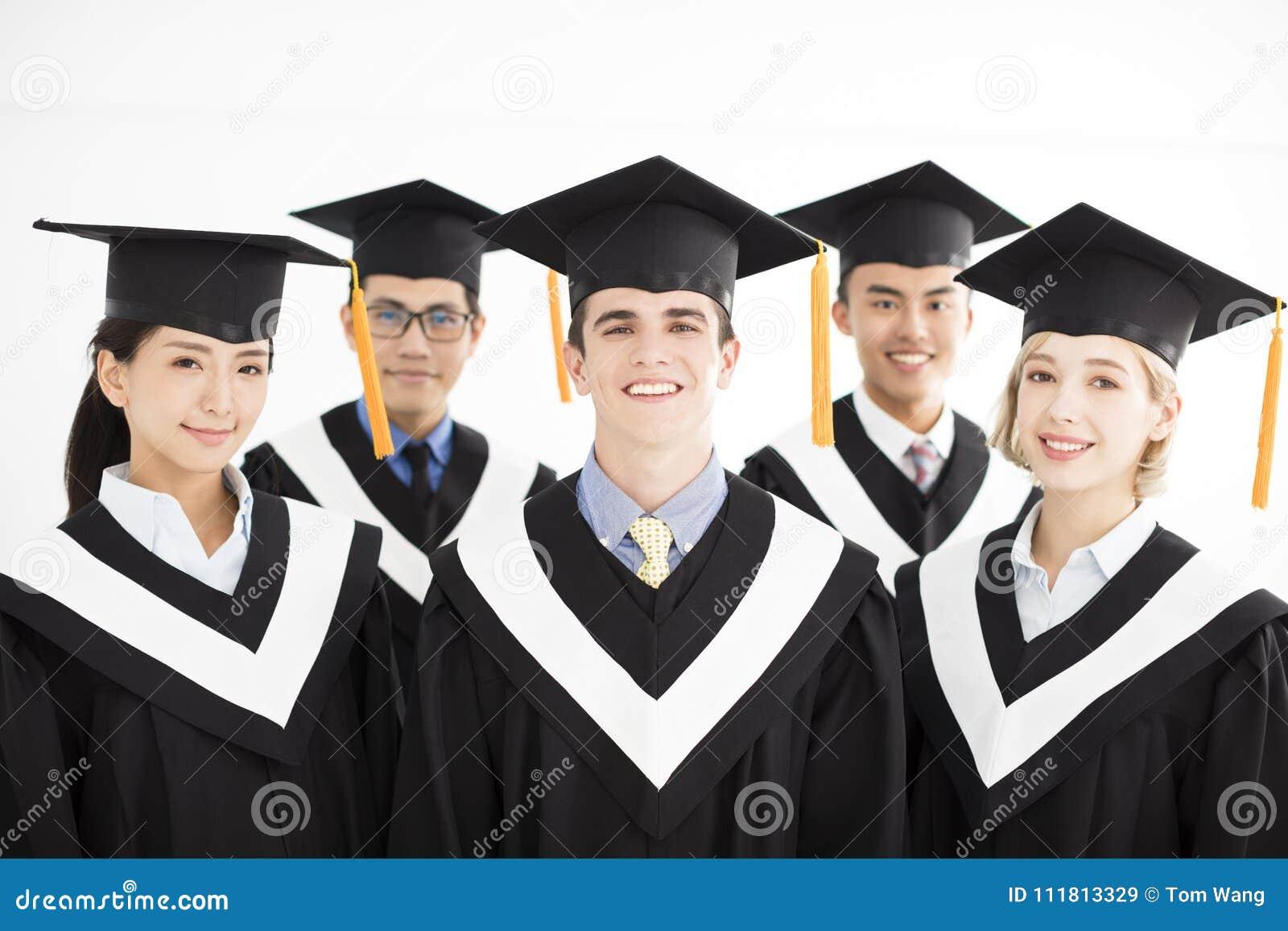 Gegradueerde bij graduatie met klasgenoten