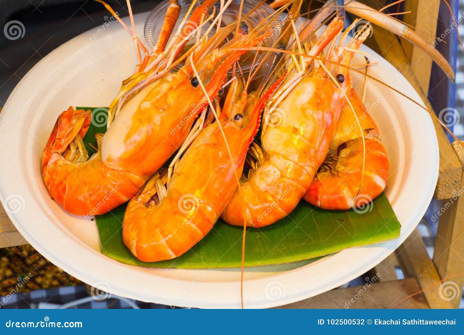 Gegrillte Garnele und Brand mit Meeresfrüchtesoßen,