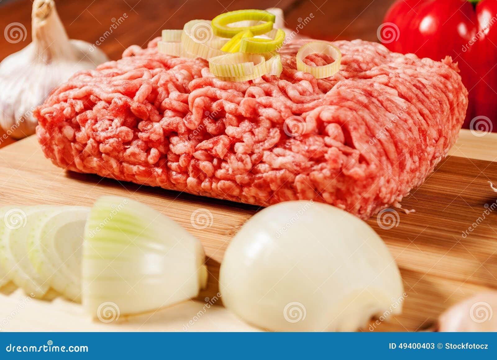 Download Gehacktes Fleisch stockbild. Bild von schweinefleisch - 49400403
