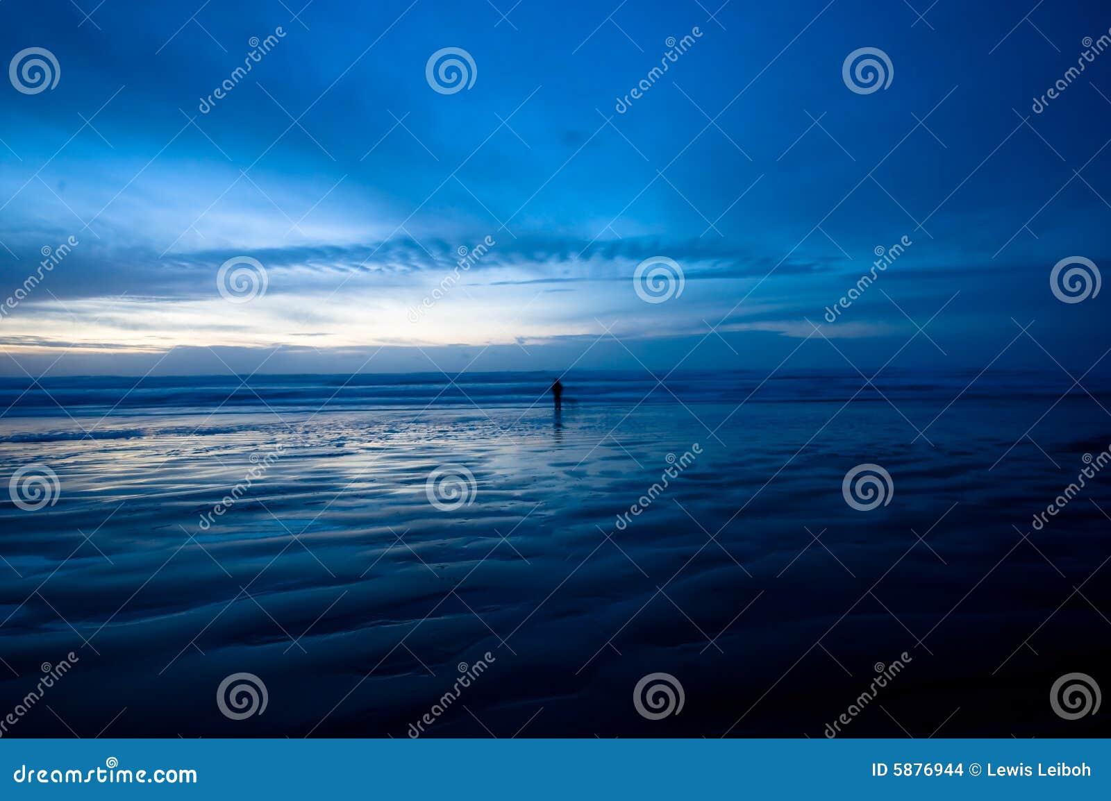 Gehen auf den Strand nachts