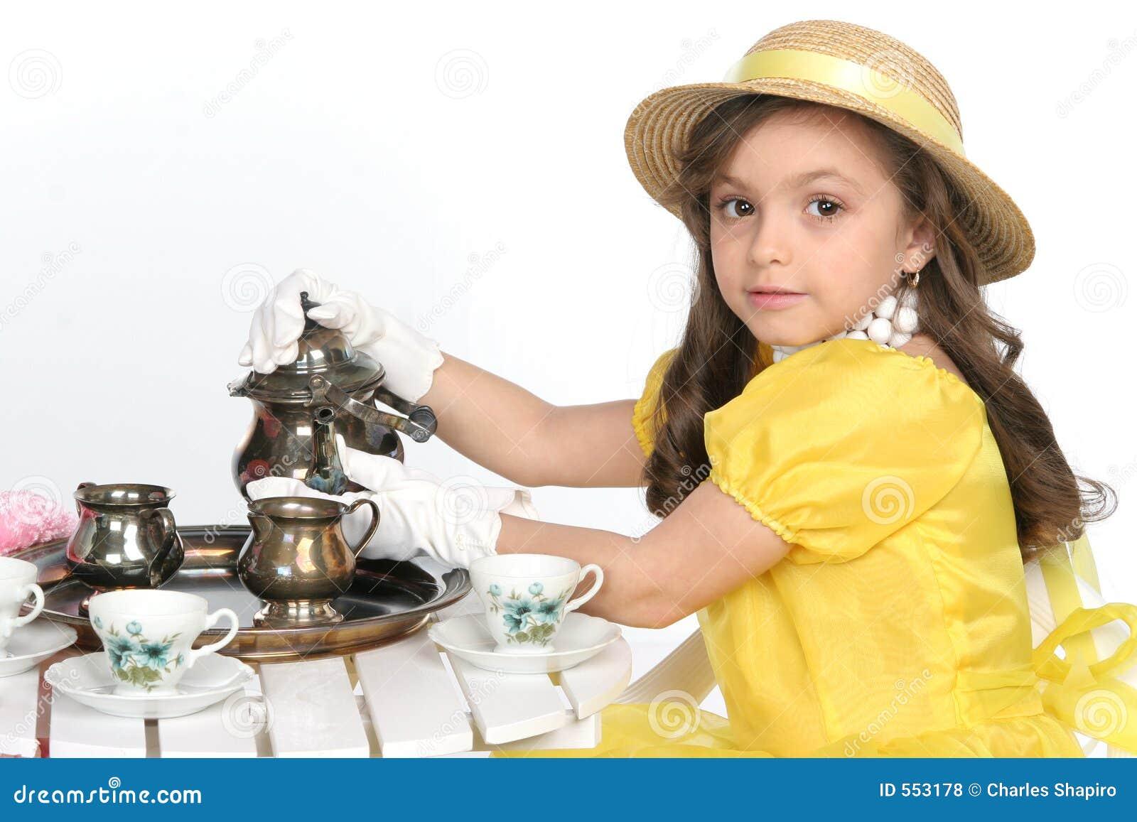 Gekleed voor thee