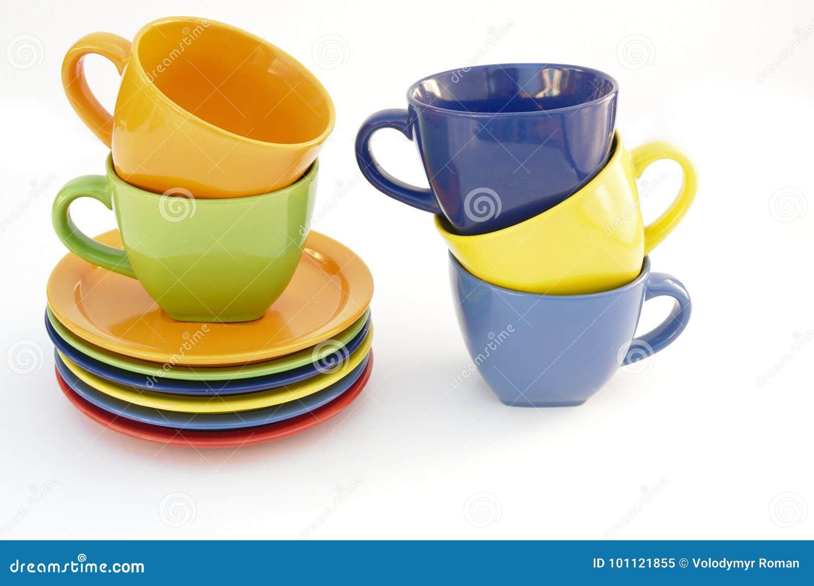 Gekleurde koppen en platen