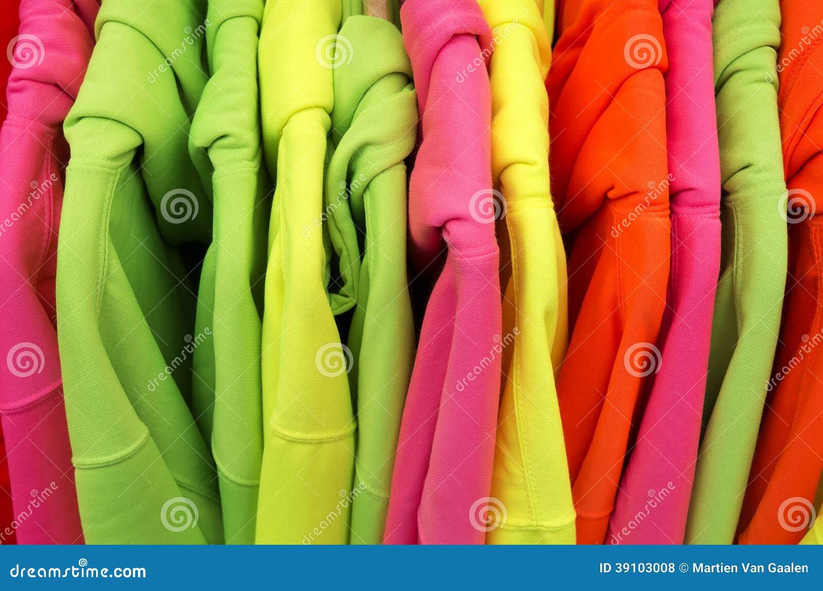 Gekleurde sweaters.