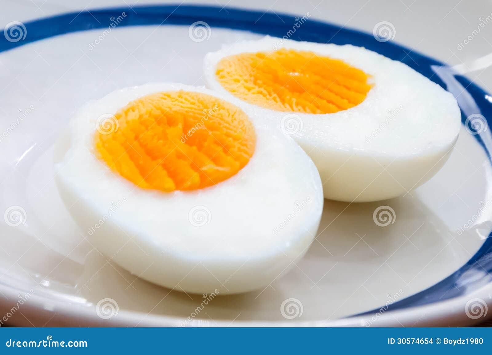 Gekookt ei stock afbeeldingen beeld 30574654 for Cocinar huevos 7 days to die