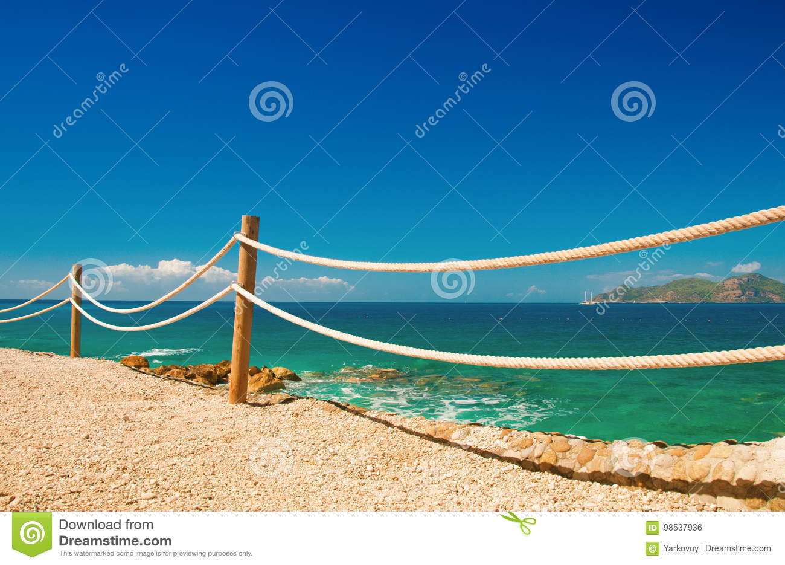 Gelanderdockengelander Auf Schiffstau Und Holz Mittelmeer Moraira Stockfoto Bild Von Moraira Gelanderdockengelander 98537936