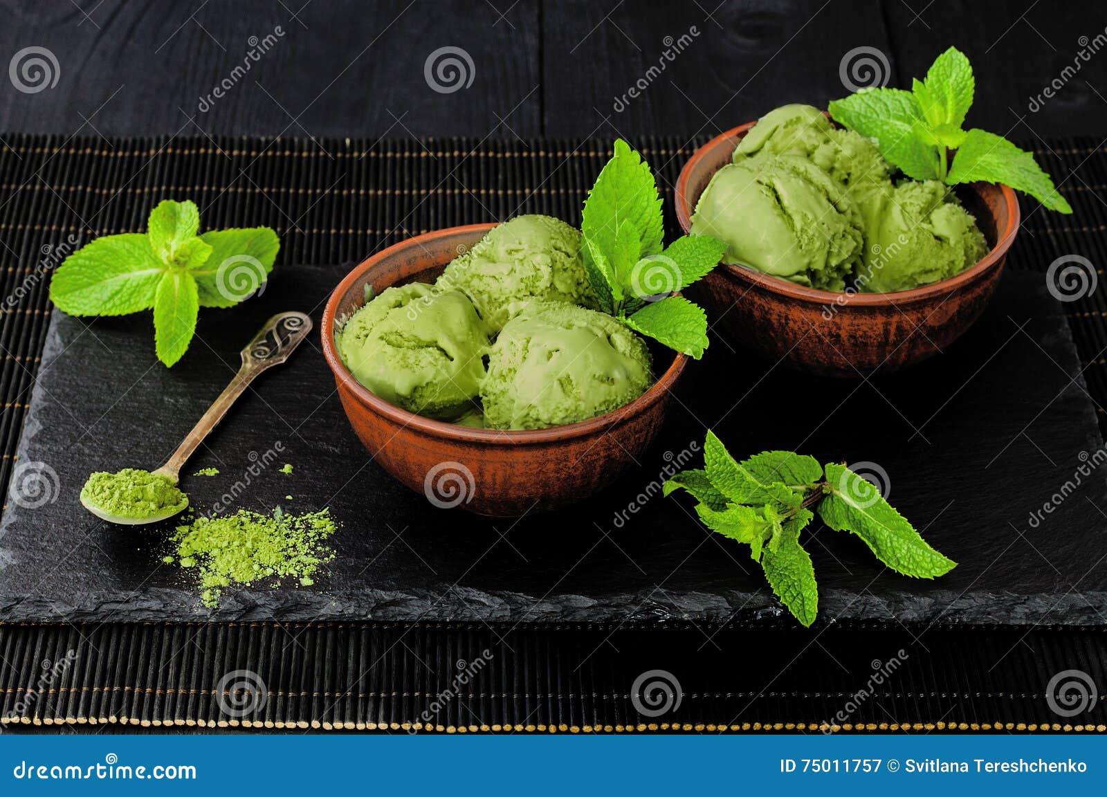 Gelado da hortelã do matcha do chá verde com leite de coco