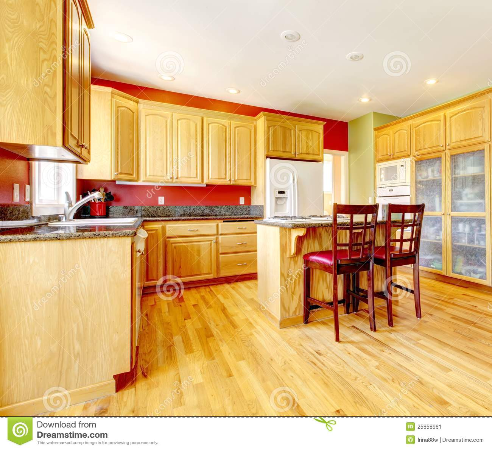 Gelbe Küche Mit Insel Und Gelbes Holz. Stockbild - Bild: 25858961