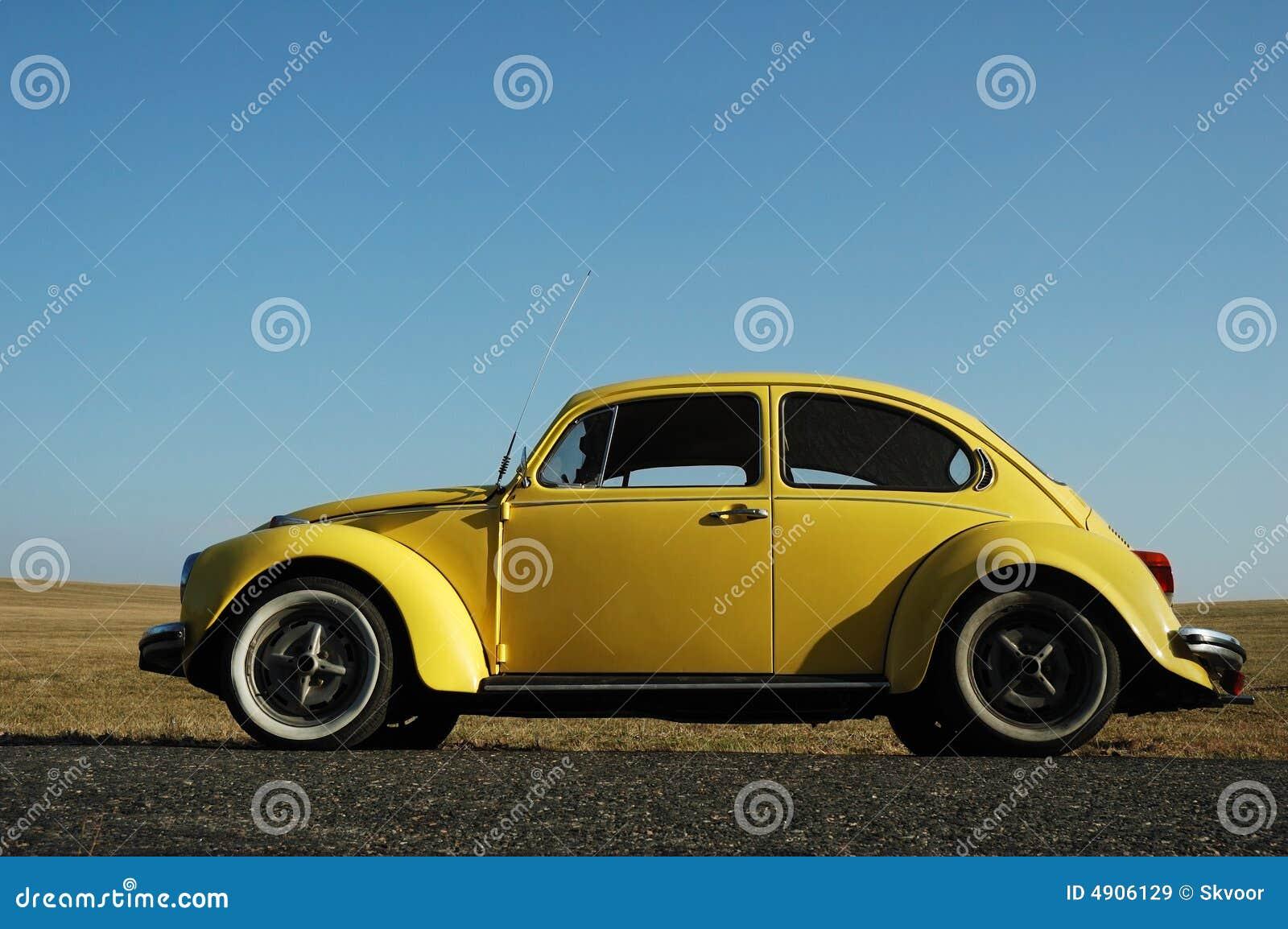 Gelber Volkswagen-Käfer
