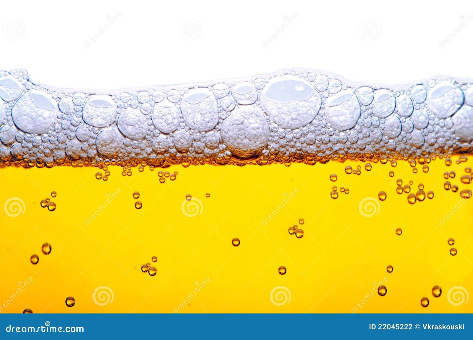 Gelbes Bier mit Schaumgummi