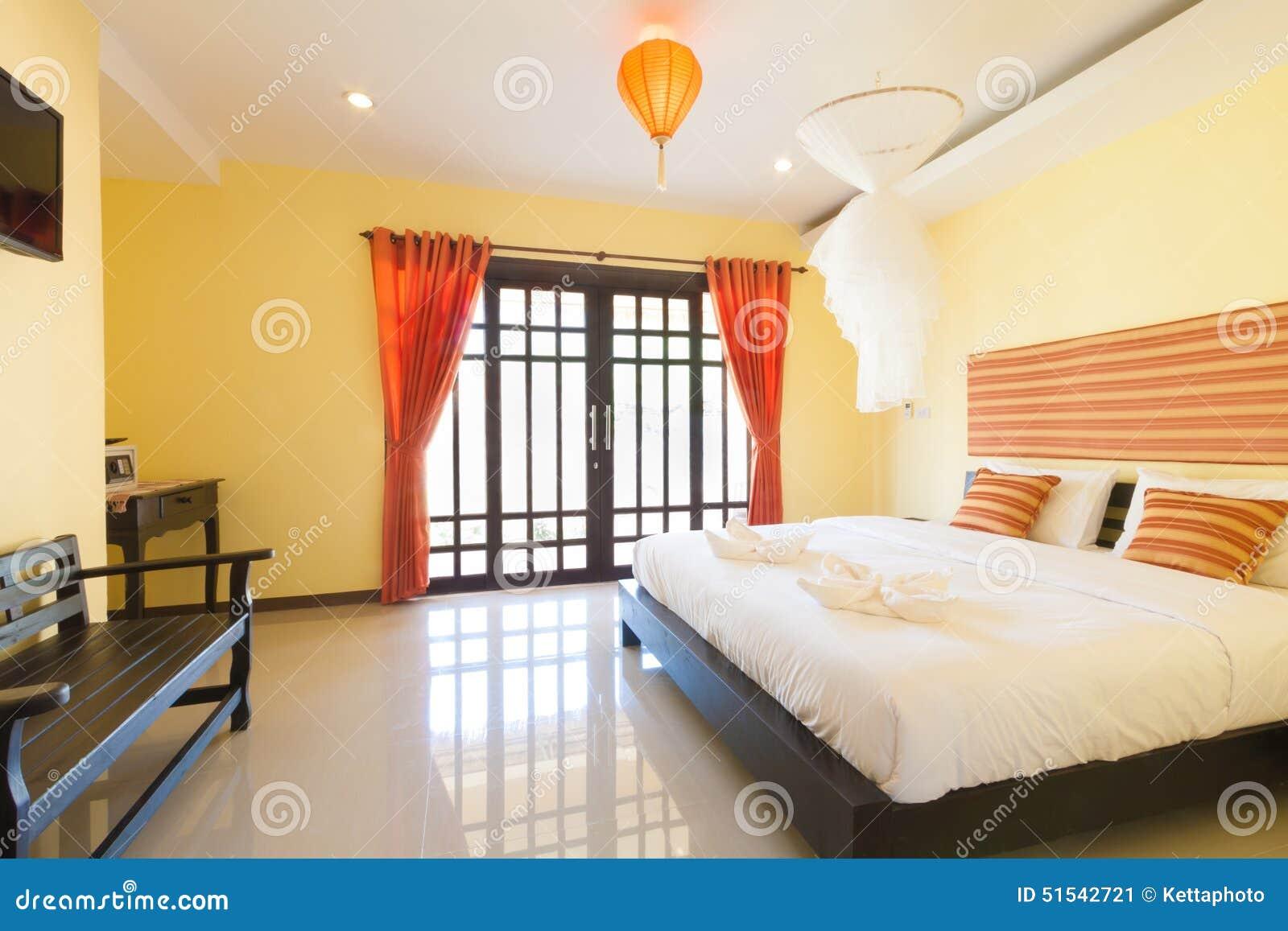 Gelbes Schlafzimmer stockbild. Bild von lieferung, asiatisch - 51542721