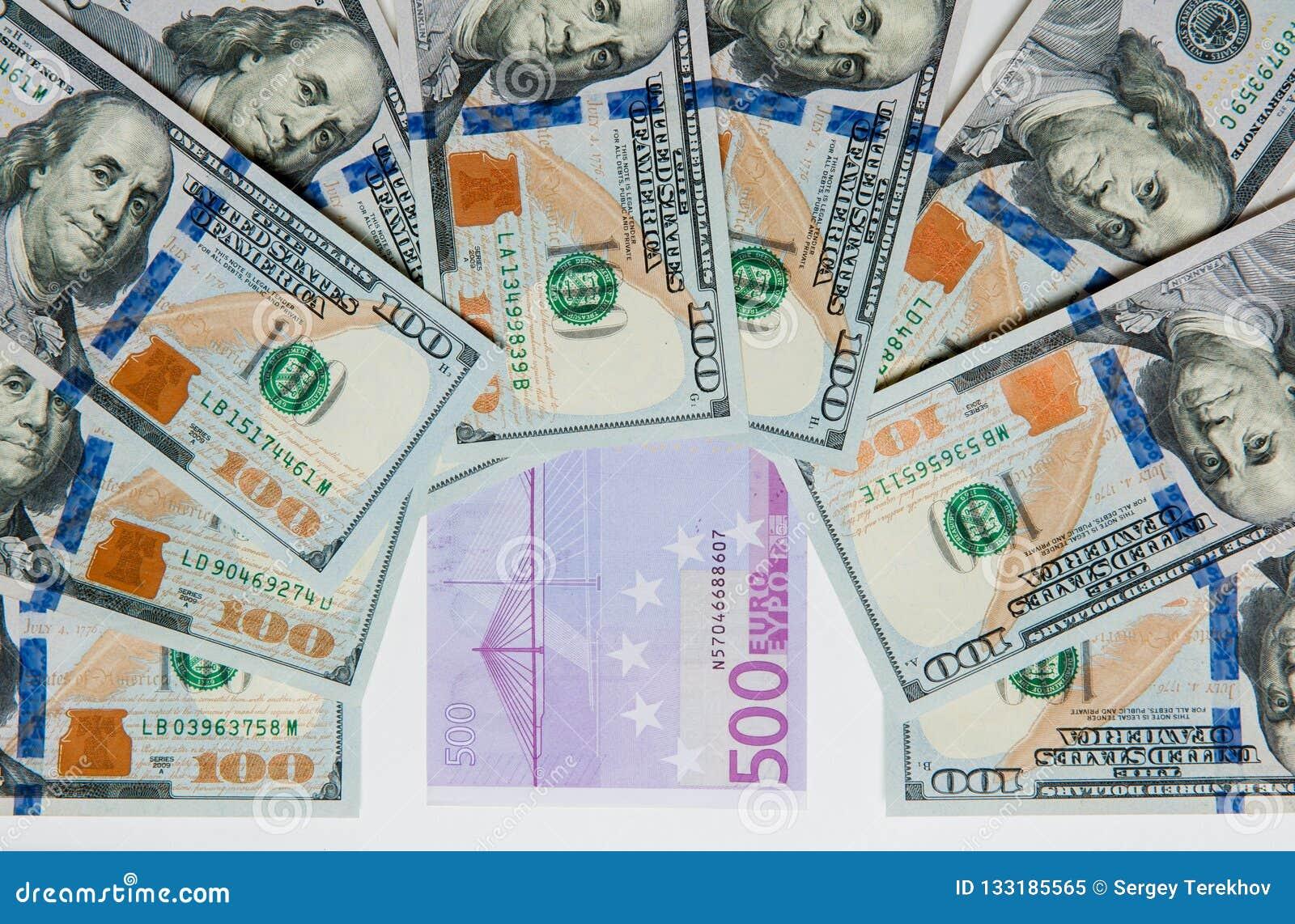 Geld Geld aus verschiedenen Ländern Reisekostenkonzept uncropped auf weißem Hintergrund