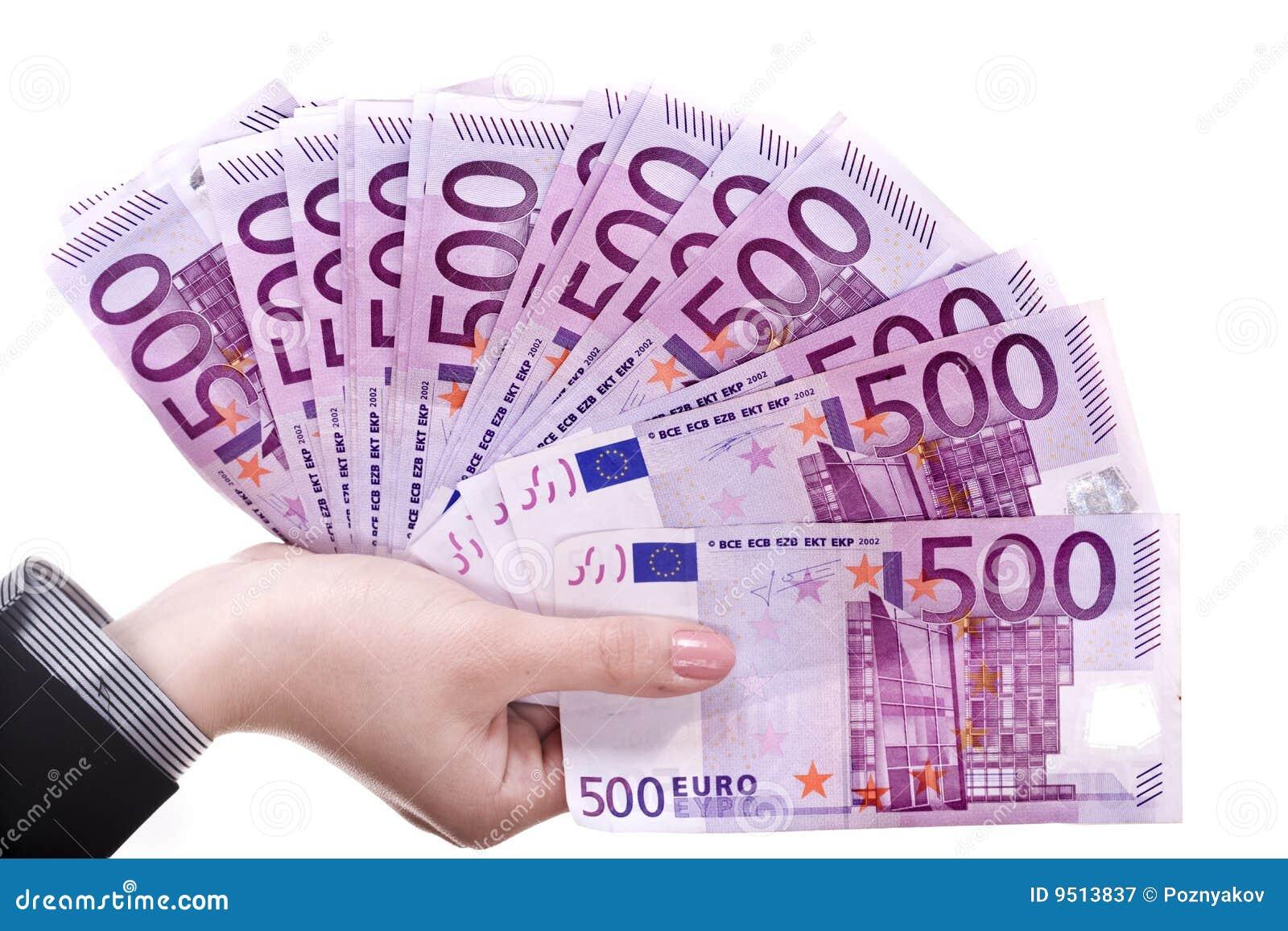 Geld in den weiblichen Händen.