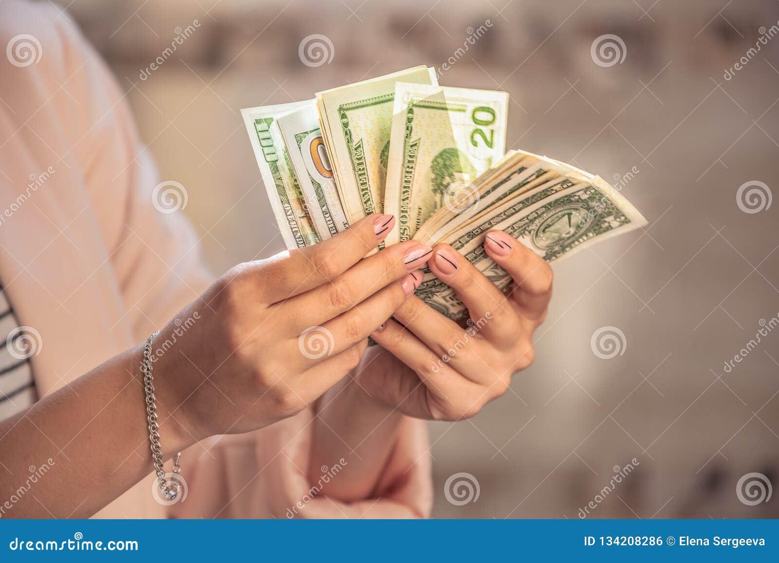 Geld in handen