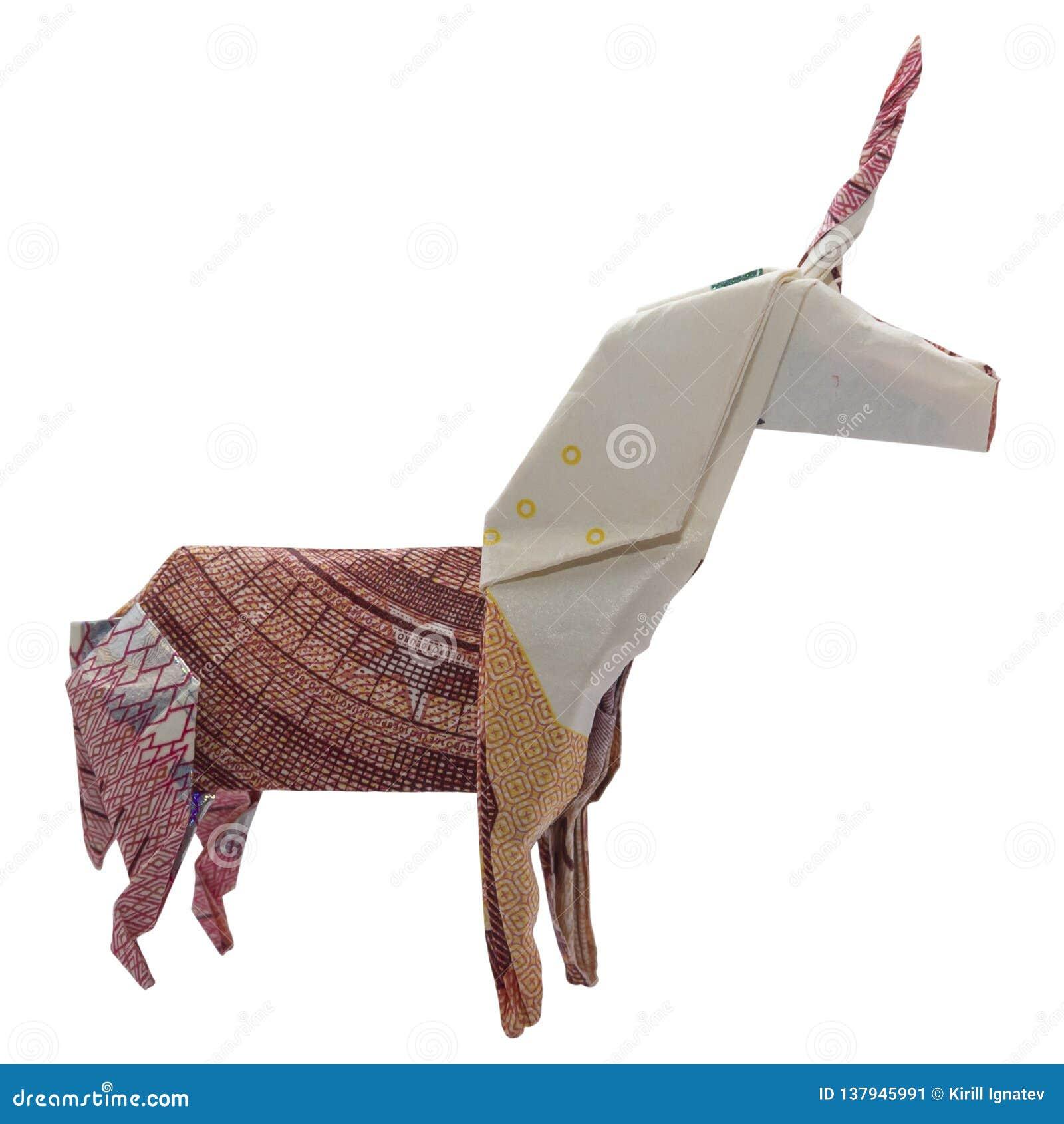 Geld-Origami roter UNICORN Mystic Animal Folded mit wirkliche Anmerkungs-weißem Hintergrund des Euro-10