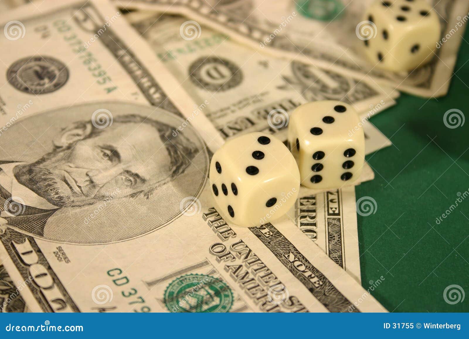 Geld und Würfel