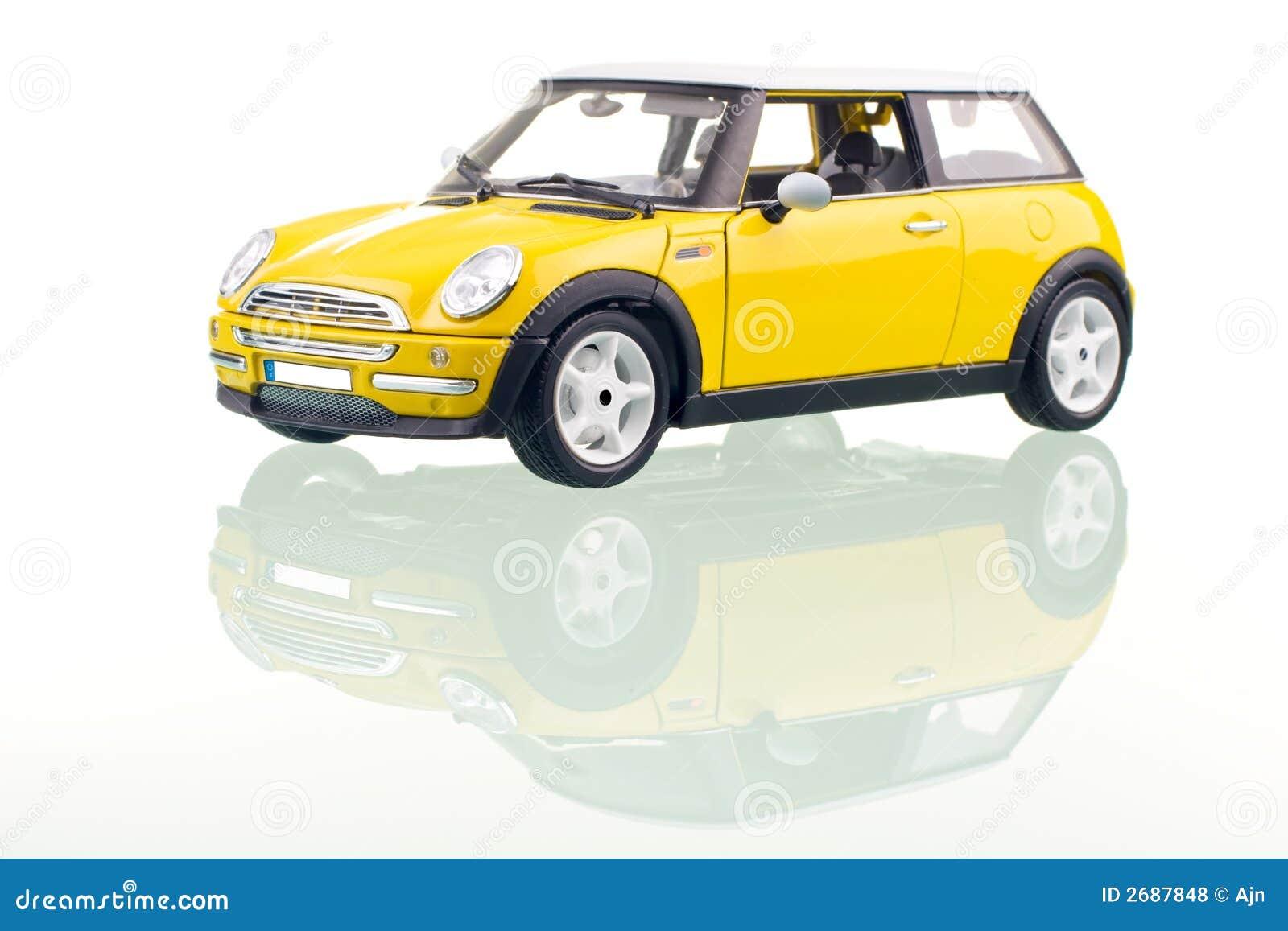 Gele auto stock foto afbeelding bestaande uit kleur for Gele lampen auto