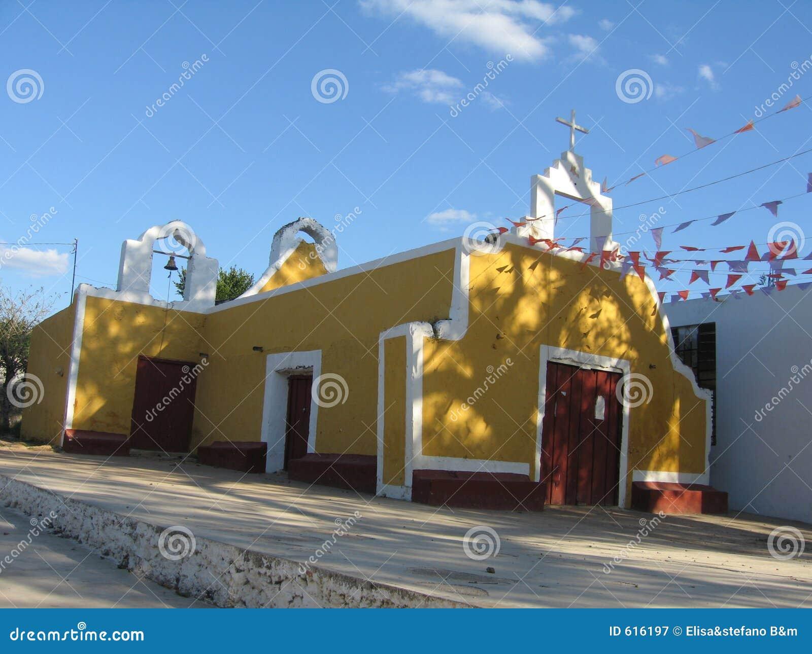 Gele en Rode Kerk - Mexico