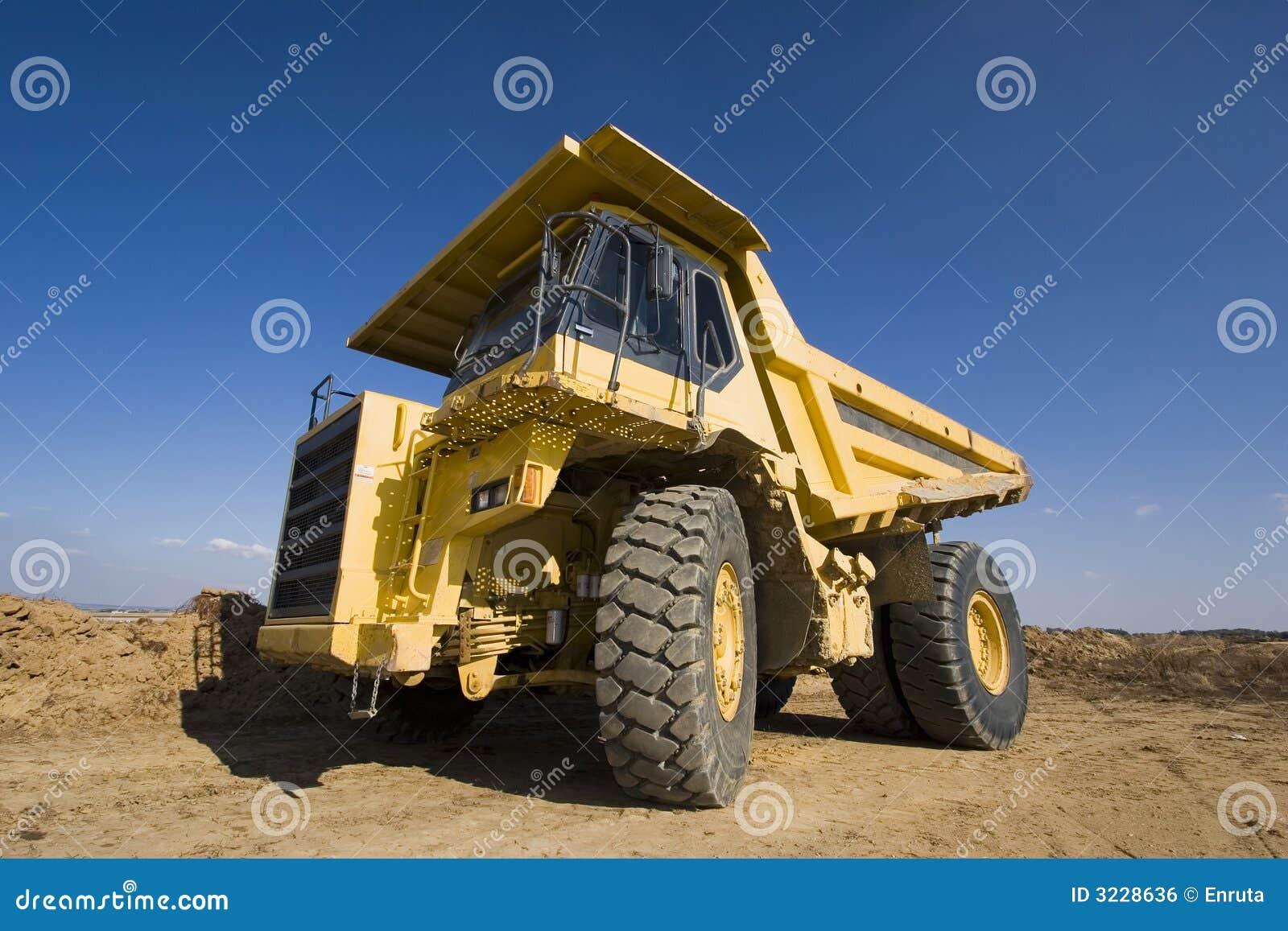 Gele mijnbouwvrachtwagen