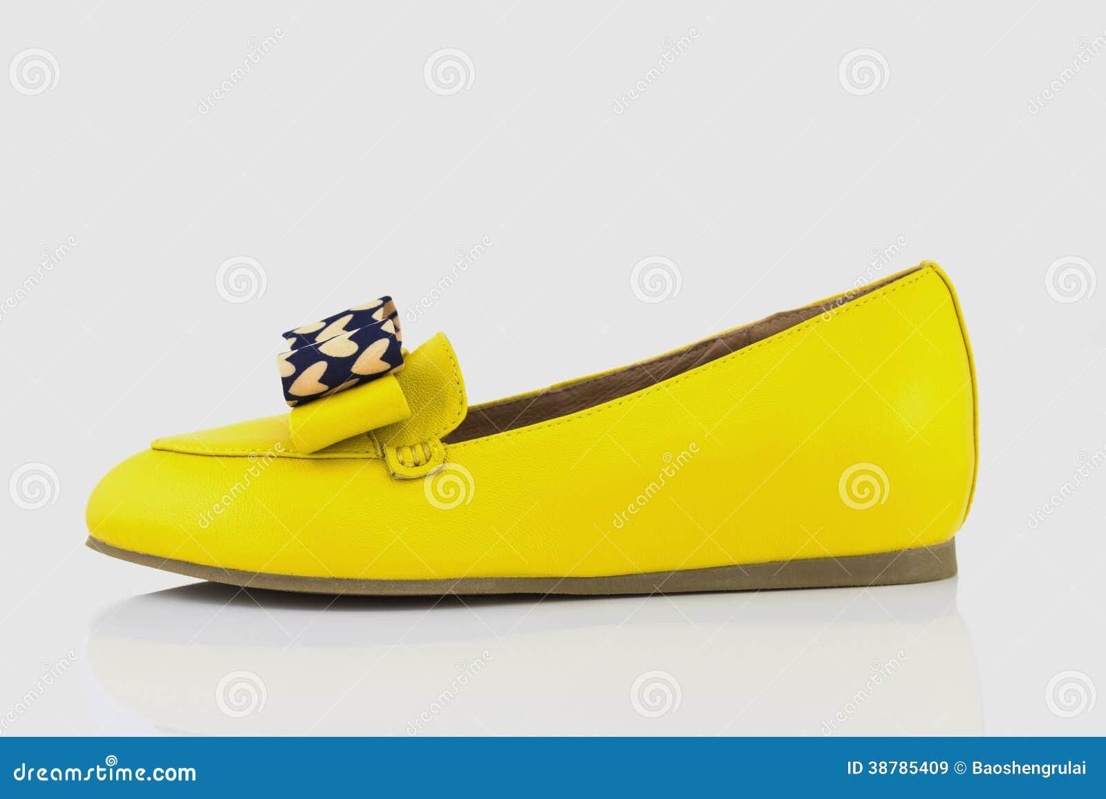 gele schoenen dames