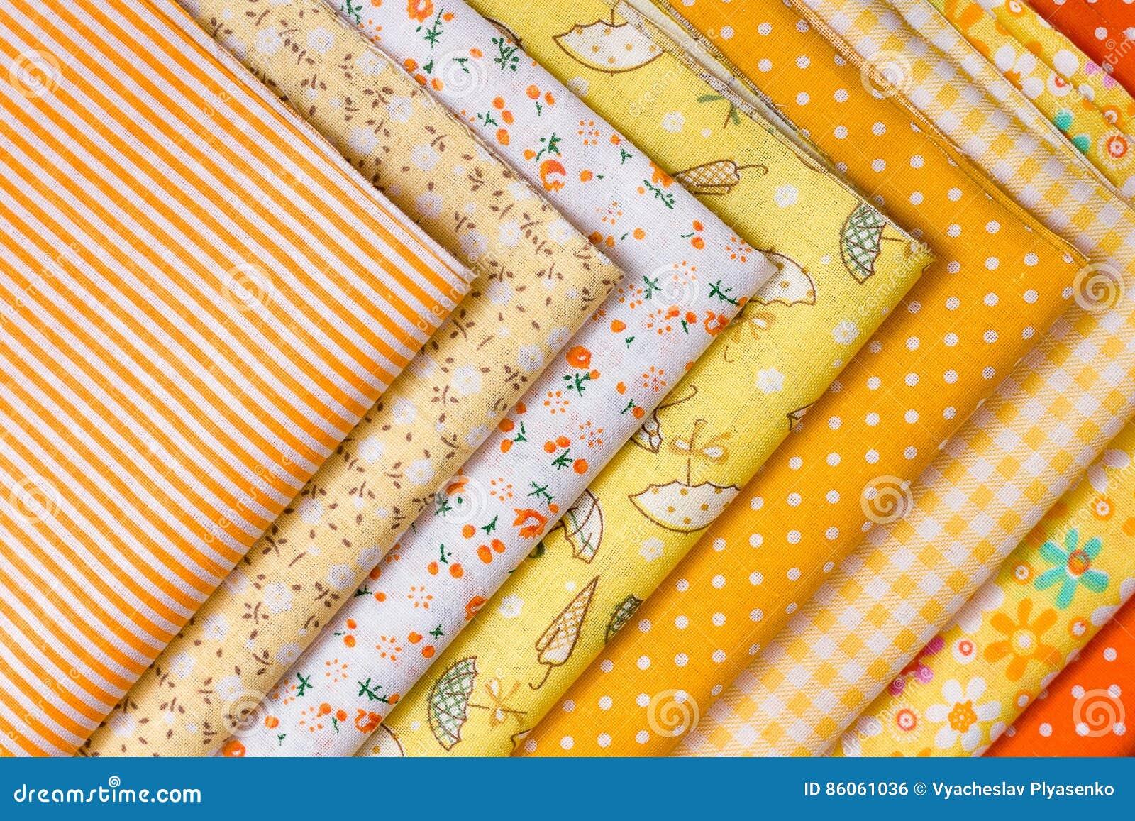 Gele stof voor lapwerk