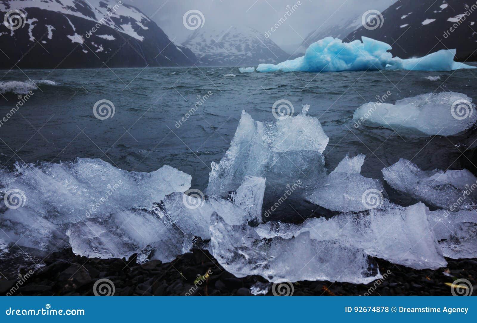 Geleira de derretimento em Alaska