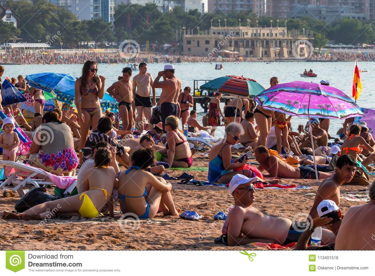 Gelendzhik Russia August 16 2013 People On Beach In Gelendzhik Russia Editorial Photo Image Of Holidaymaker Scenic 113401516
