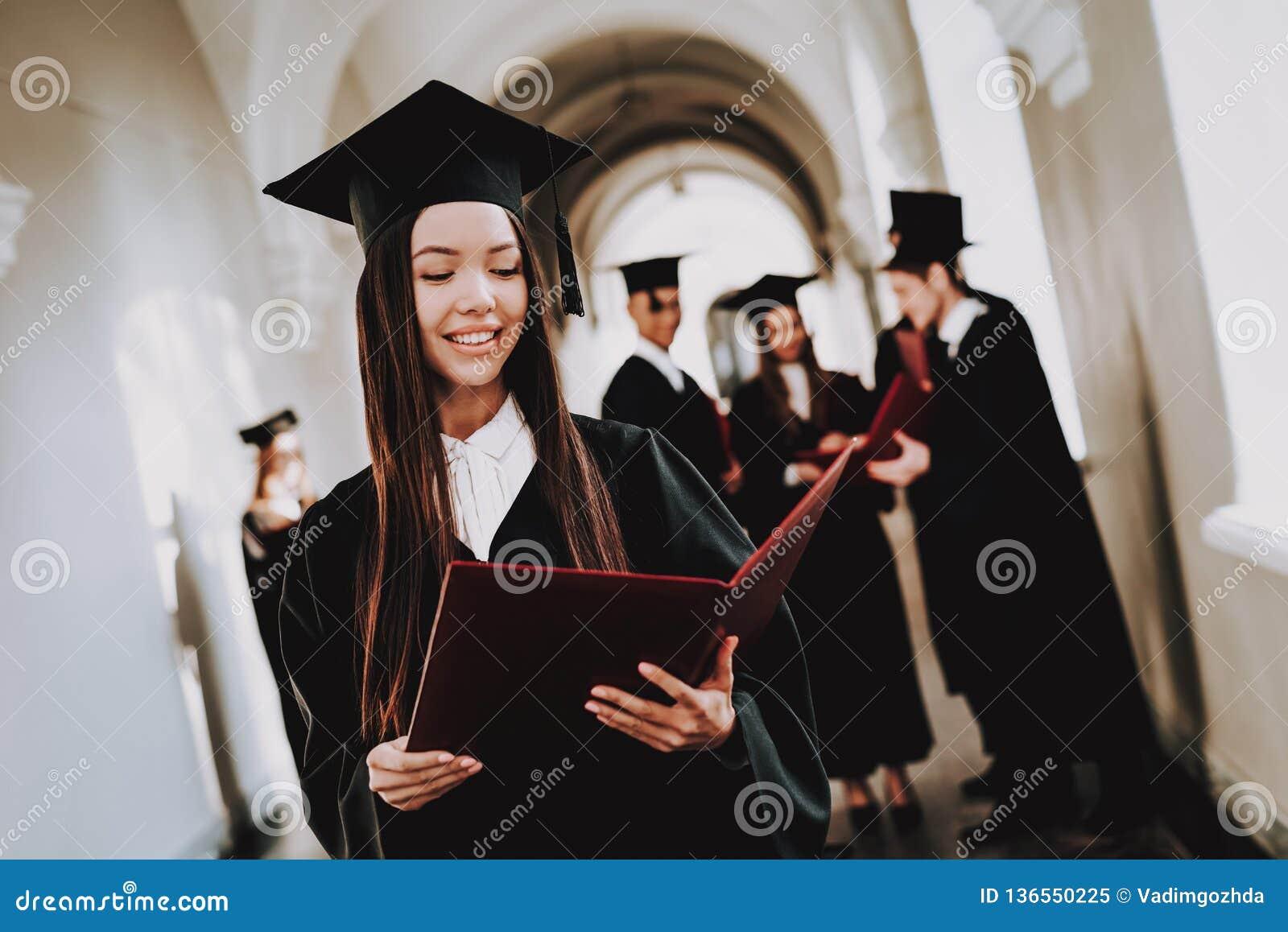 Geluk Aziatisch Meisje Intelligentie diploma