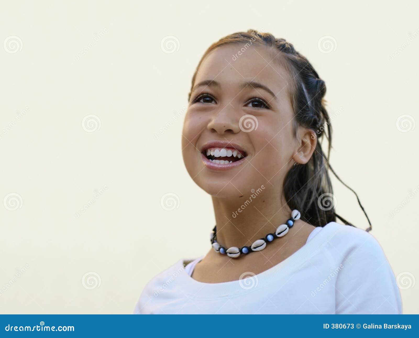Gelukkig Aziatisch meisje