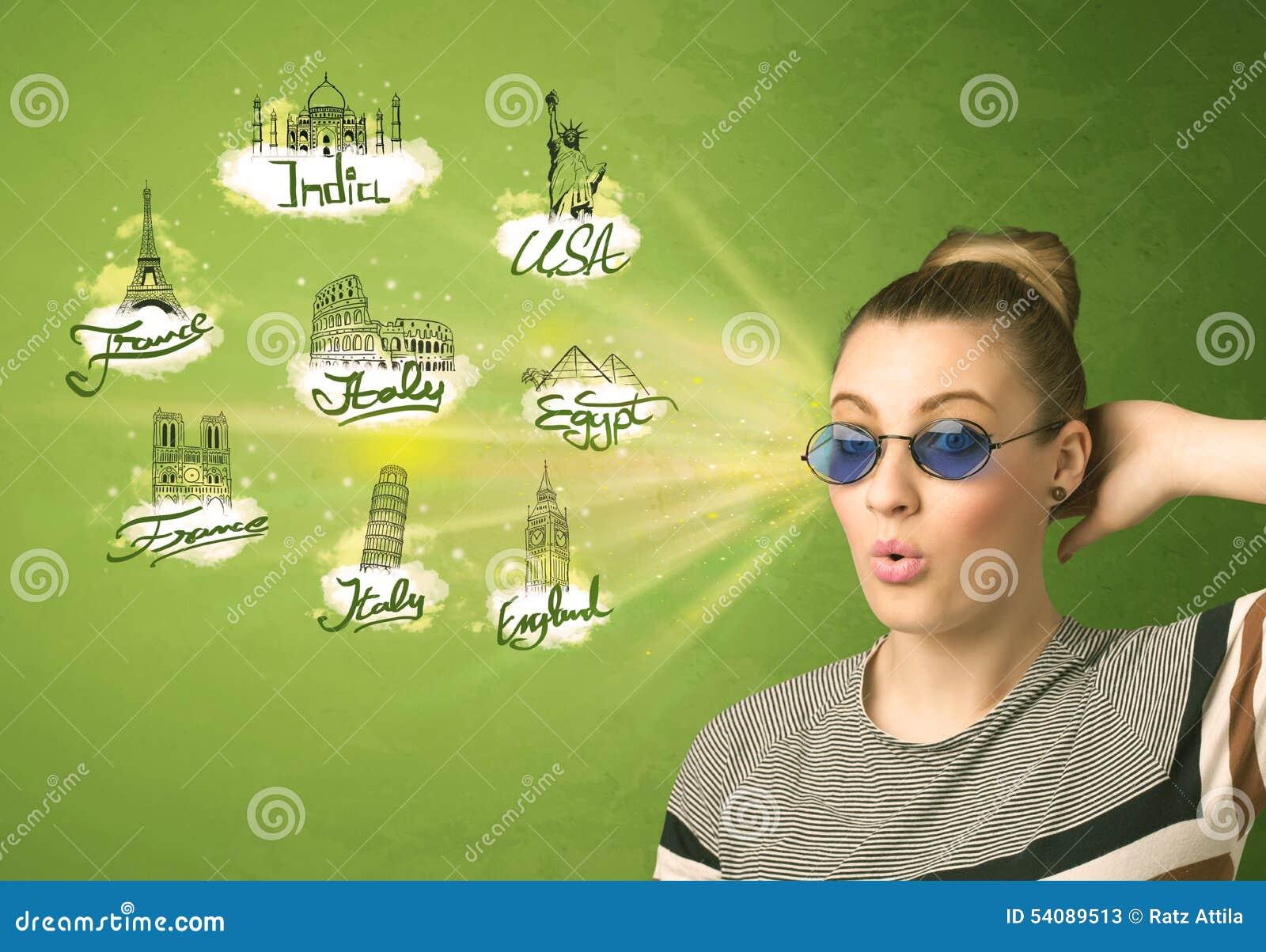 Gelukkig jong meisje met zonnebril die naar steden rond reizen