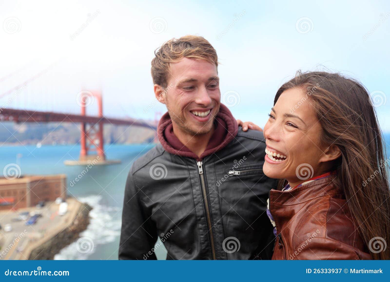 Gelukkig jong paar dat, San Francisco lacht