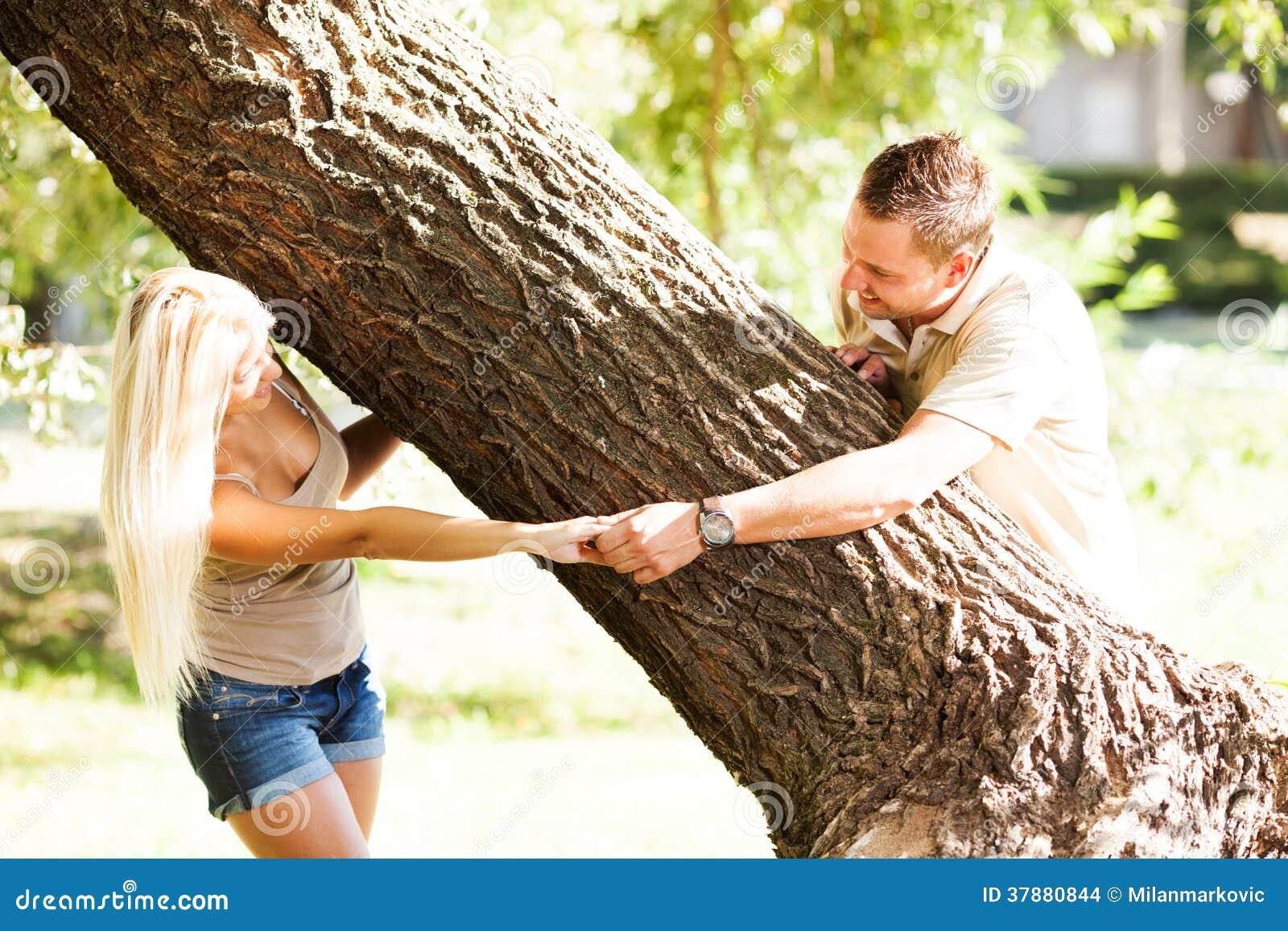 Gelukkig paar in het park