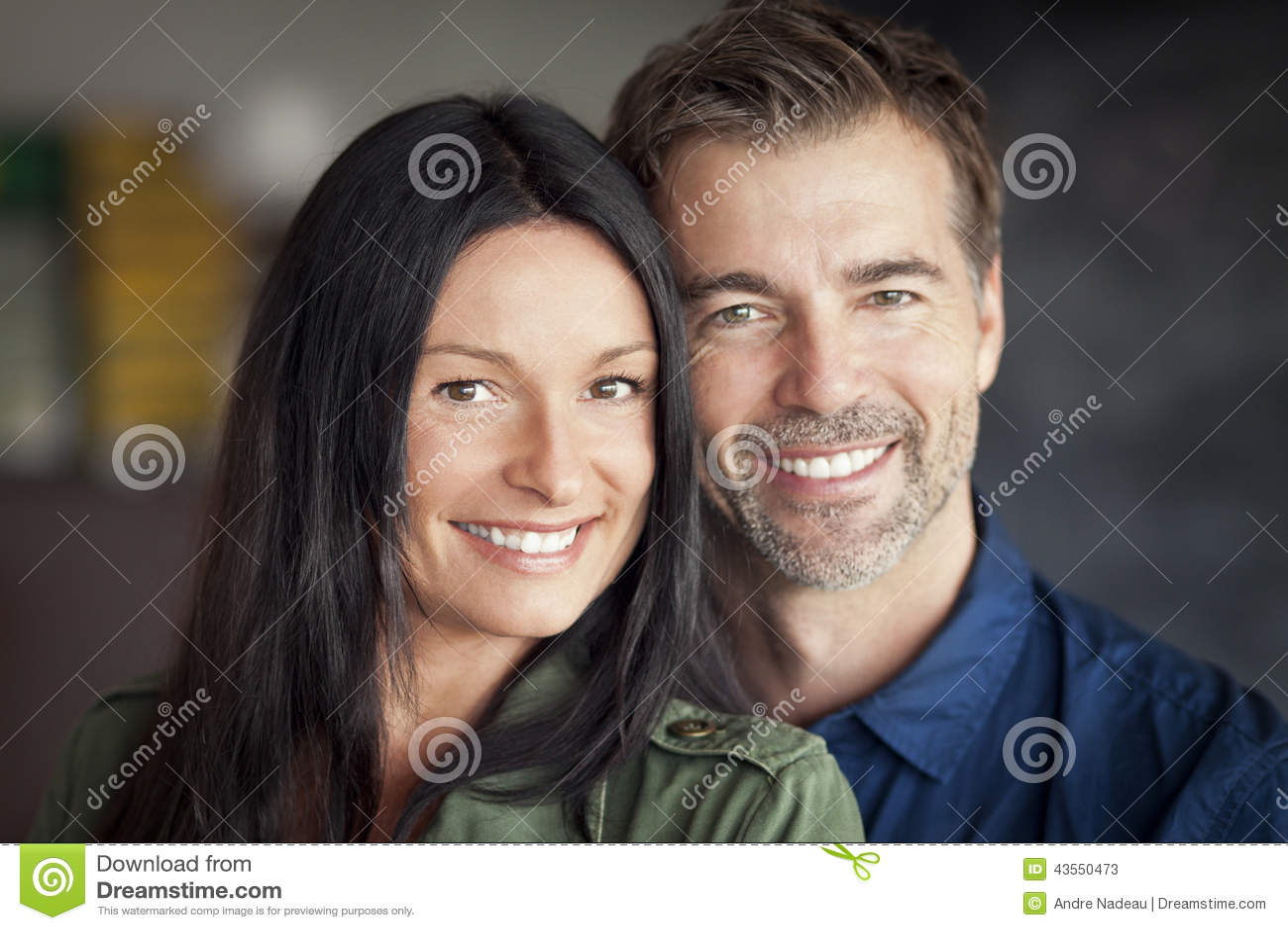 Gelukkig rijp paar
