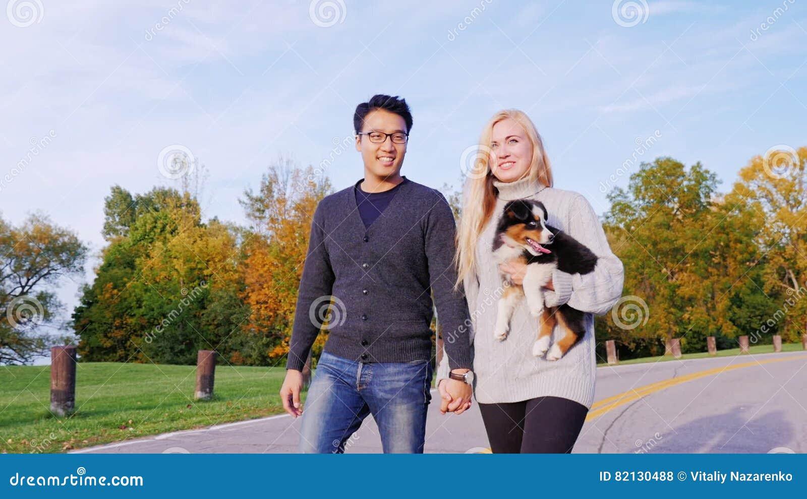 dating site Asian Kaukasisch berichten voor de dating sites voorbeelden