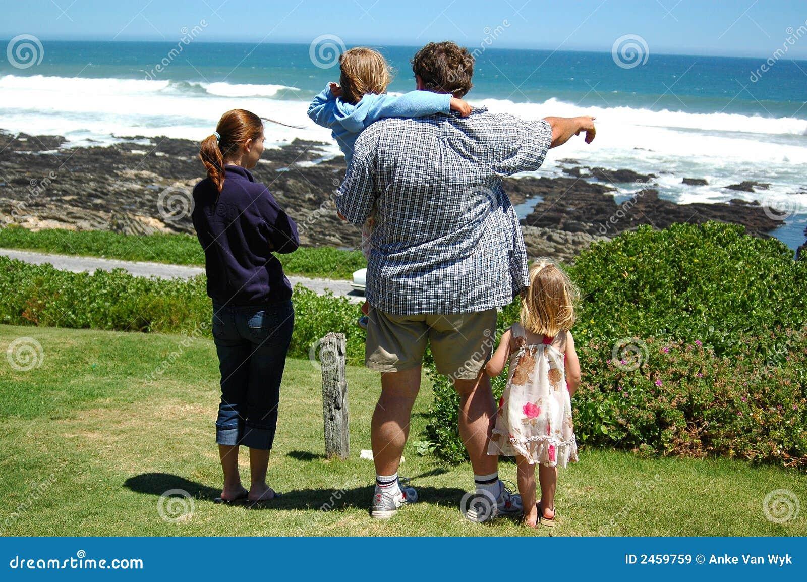 Gelukkige de zomerfamilie
