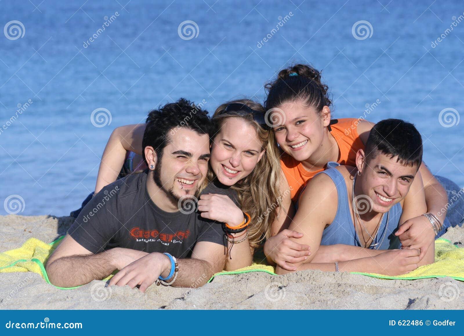 Gelukkige glimlachende groep